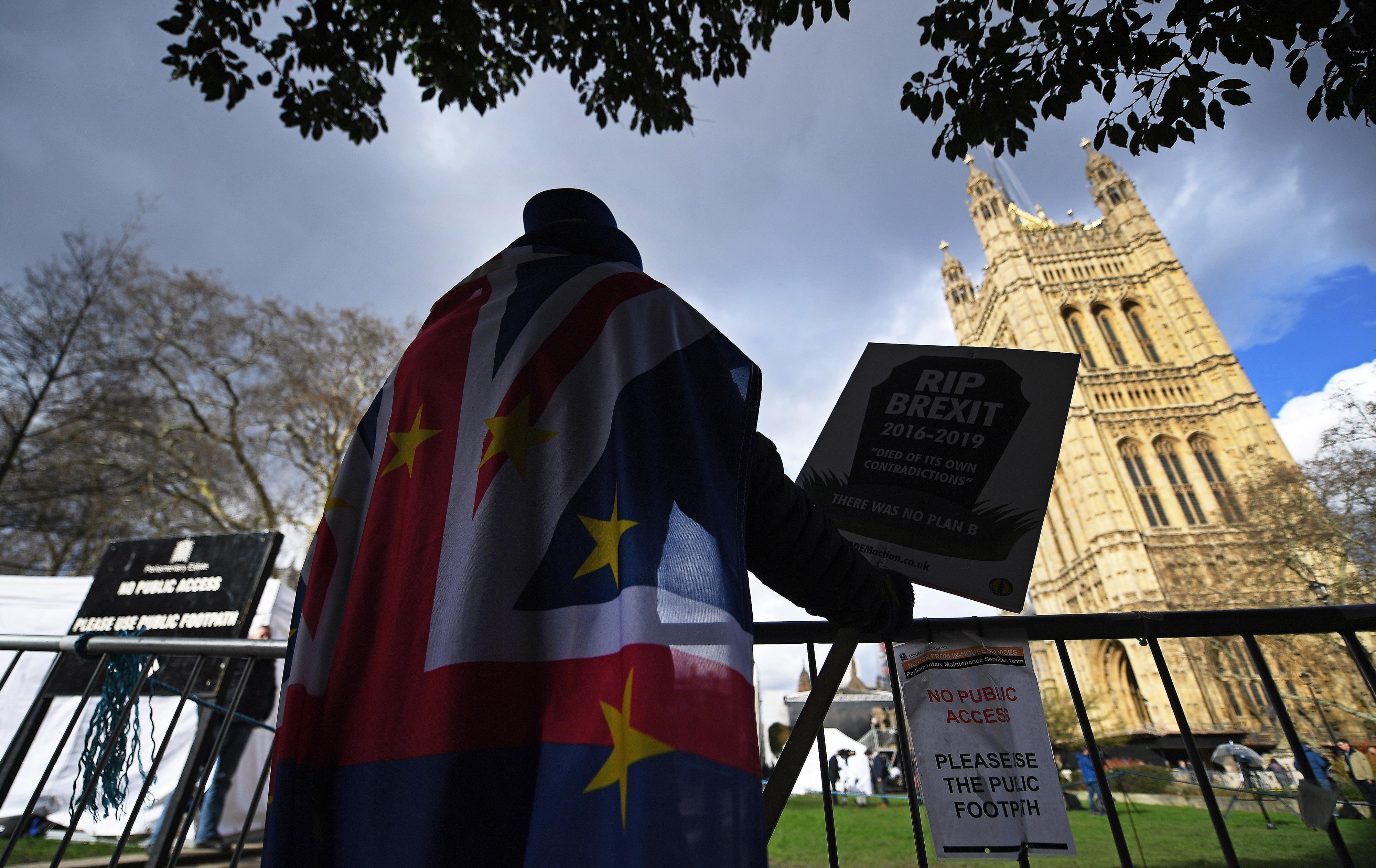 Mais de 3,5 milhões de pessoas assinaram petição 'online' contra o 'Brexit'