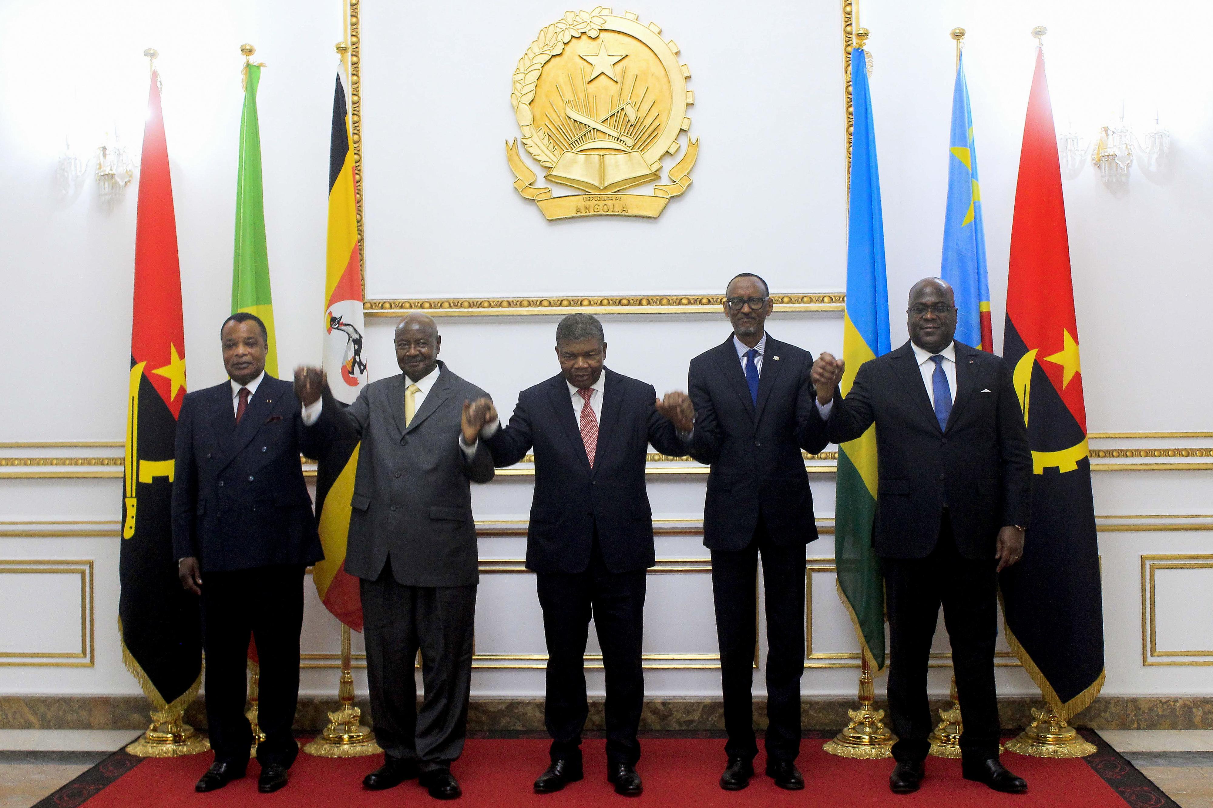 Uganda e Ruanda assinam acordo que põe fim a acusações mútuas