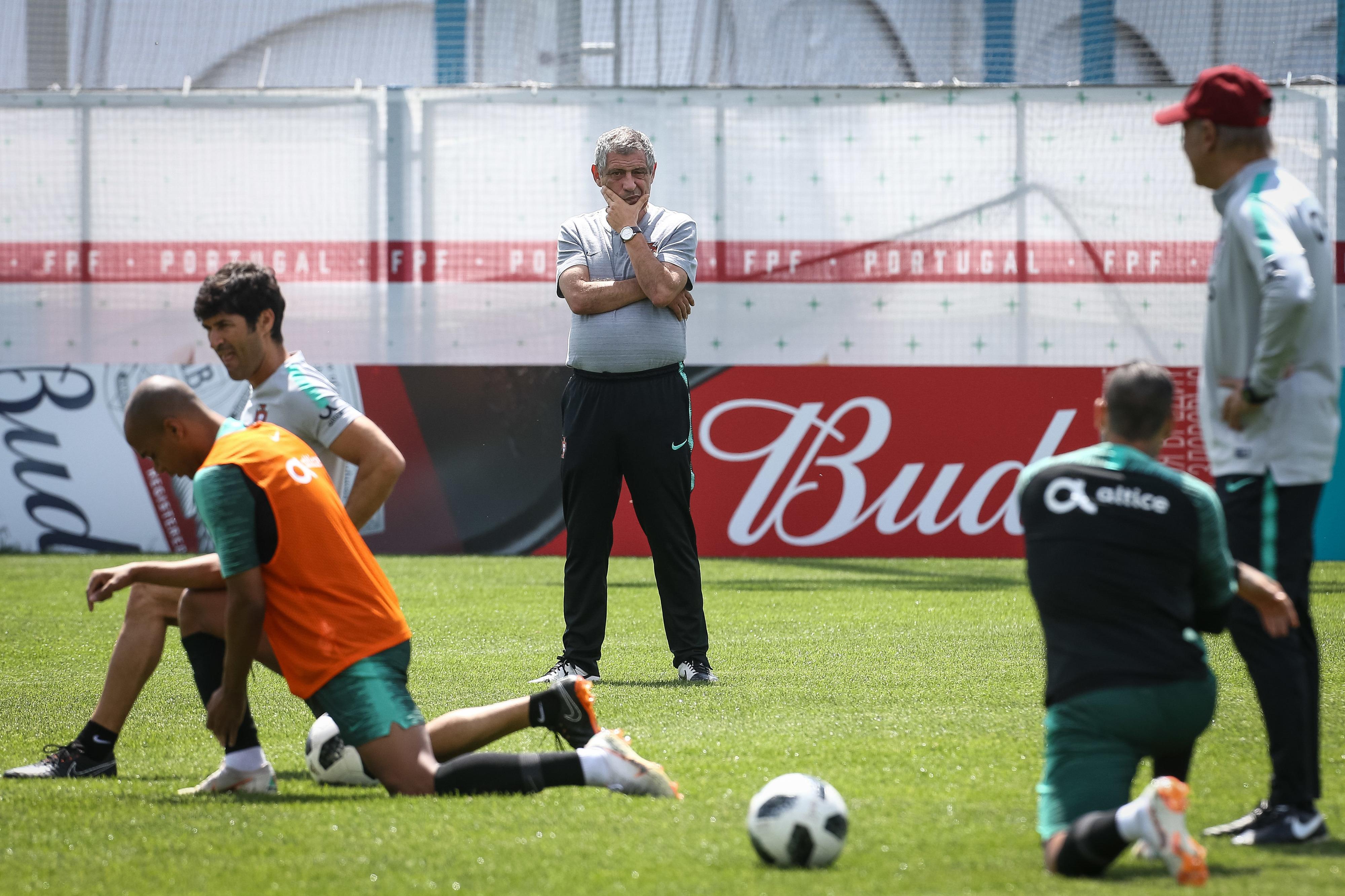 Fernando Santos diz que Portugal vai estar bem com Irão e passar
