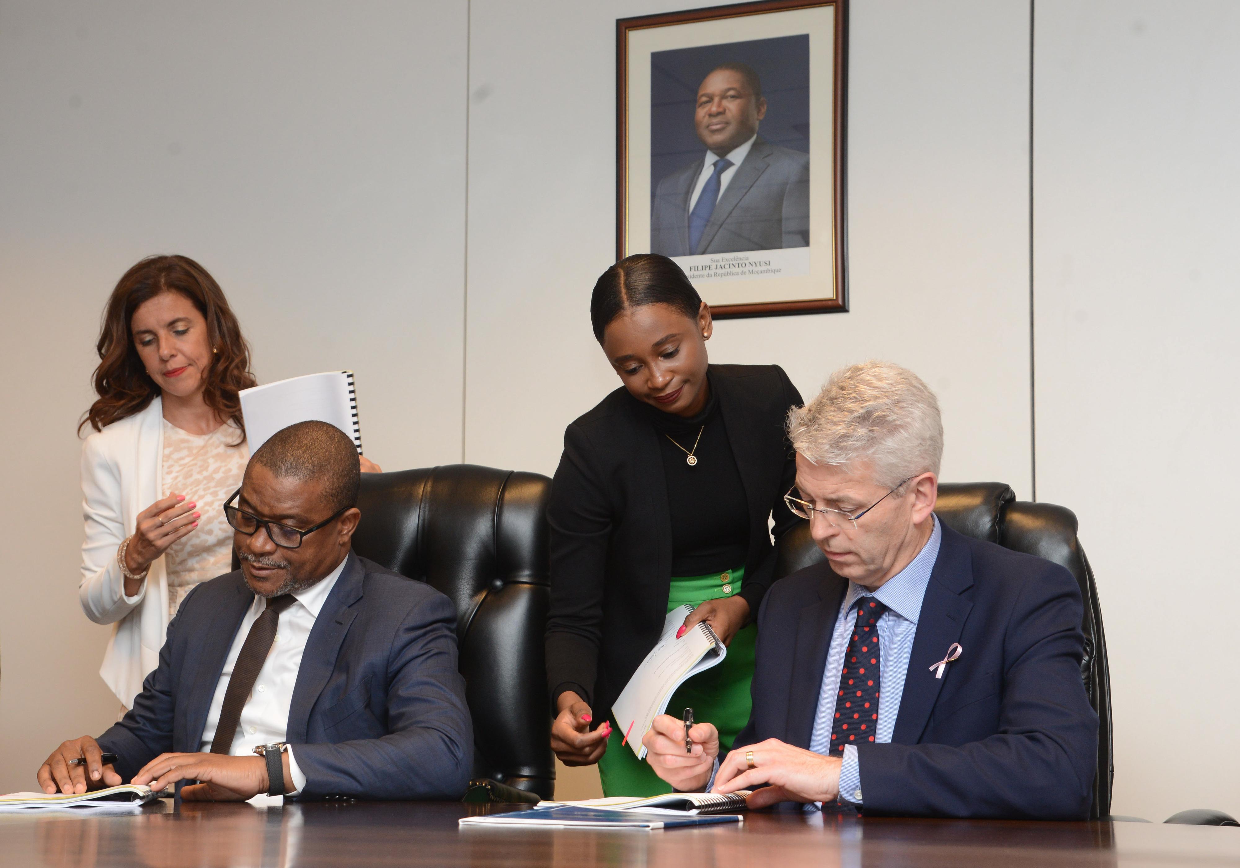 Moçambique espera 780 ME de investimento para pesquisa de gás e petróleo
