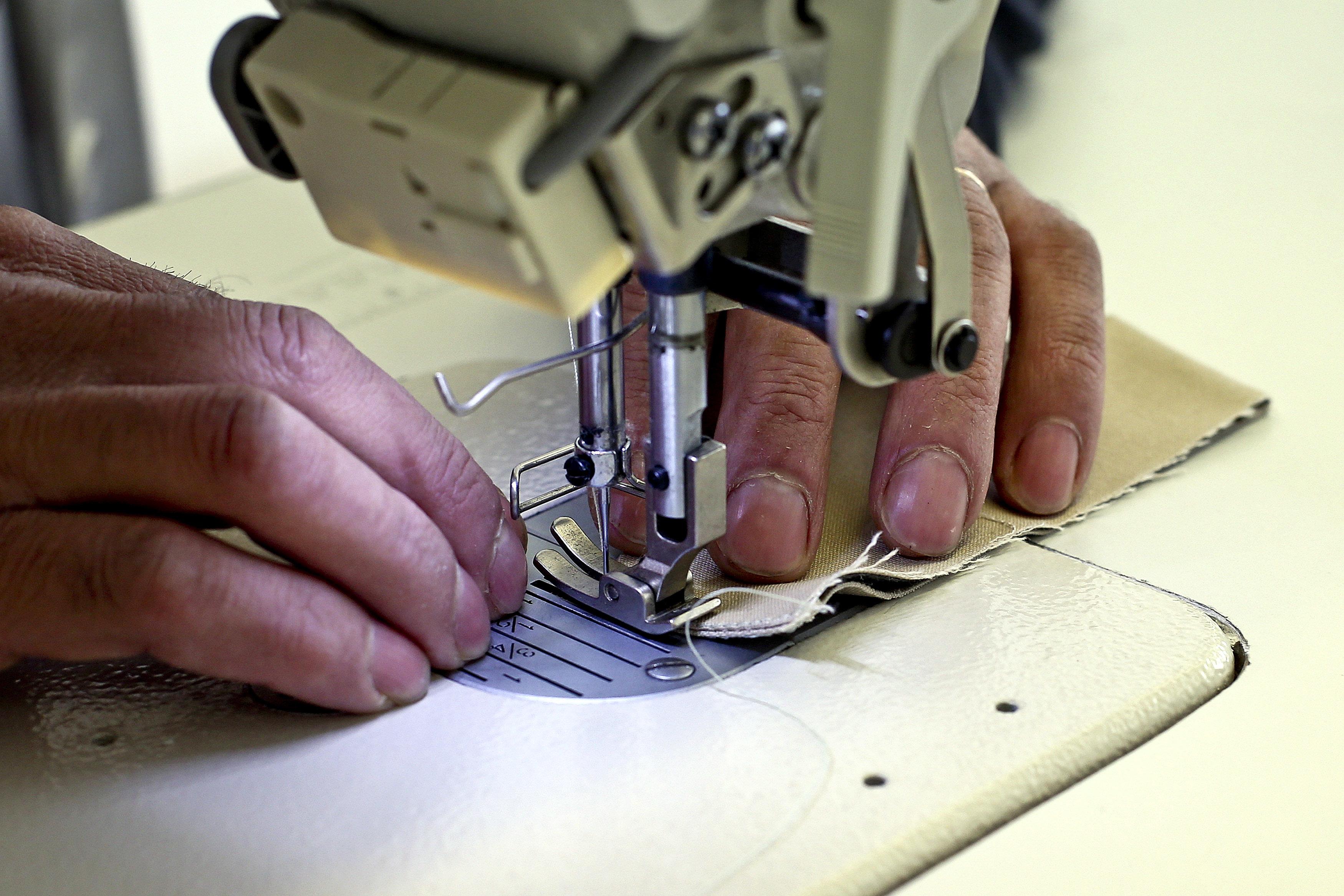 Trabalhadores do têxtil e vestuário hoje em greve por salário de 600 euros