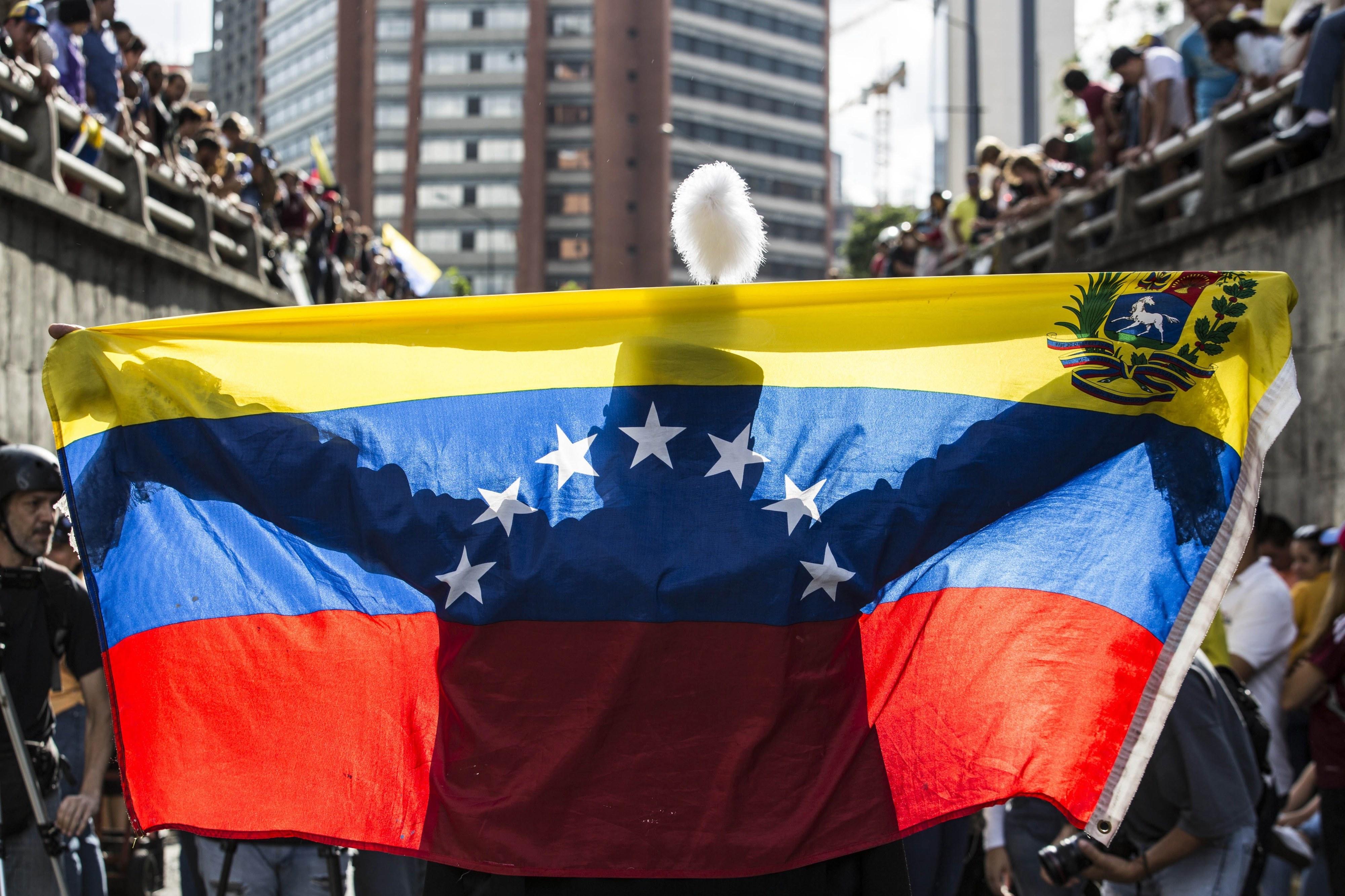 Washignton condena exército venezuelano pelo uso da força contra civis