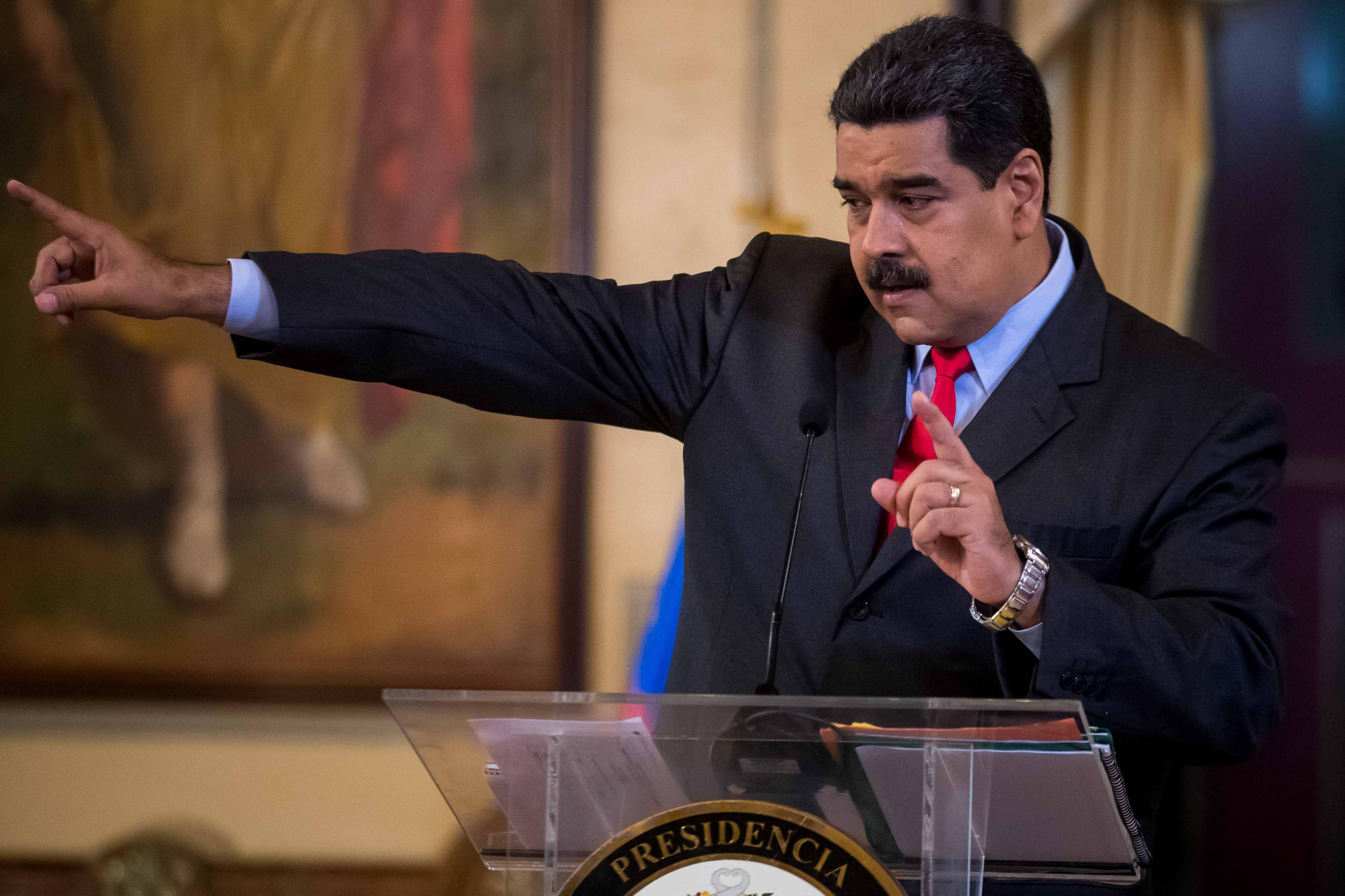 """Nicolás Maduro convoca exercícios militares """"Independência 2018"""" para 24 e 25 de fevereiro"""