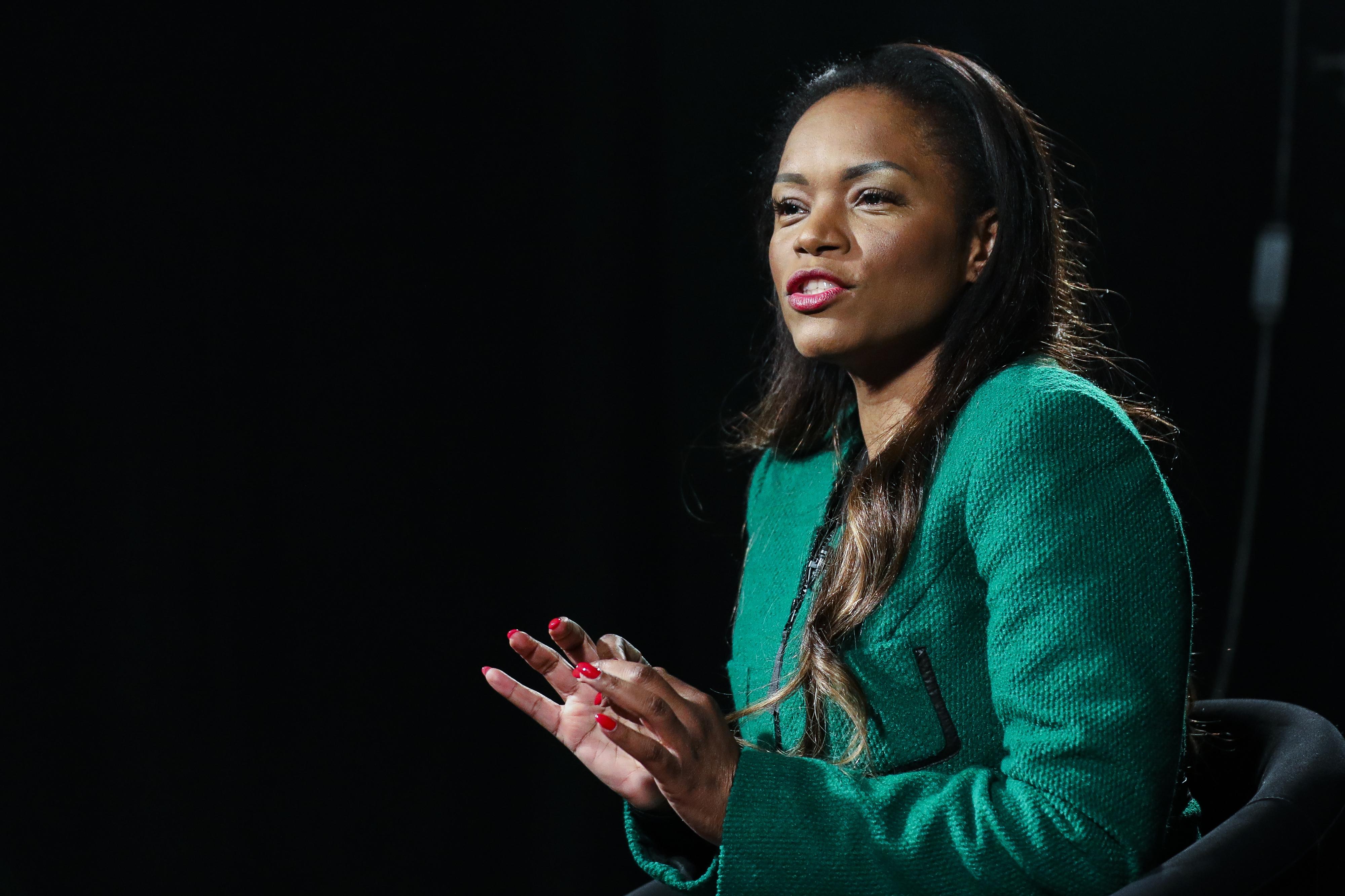 Irmã de Isabel dos Santos desafia empresária a devolver 75 milhões a Angola