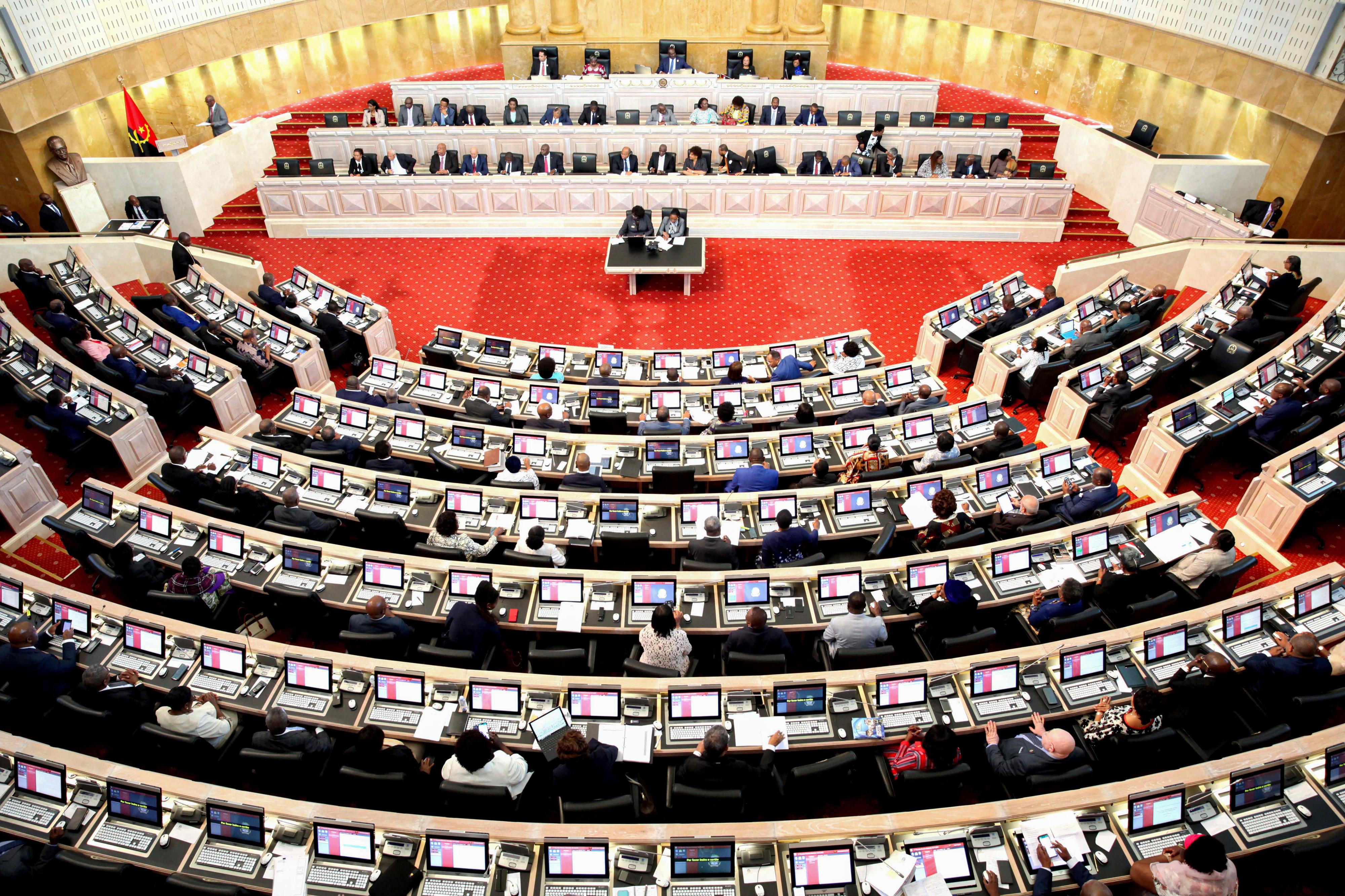 OGE 2020 aprovado pelo parlamento angolano com chumbo da oposição