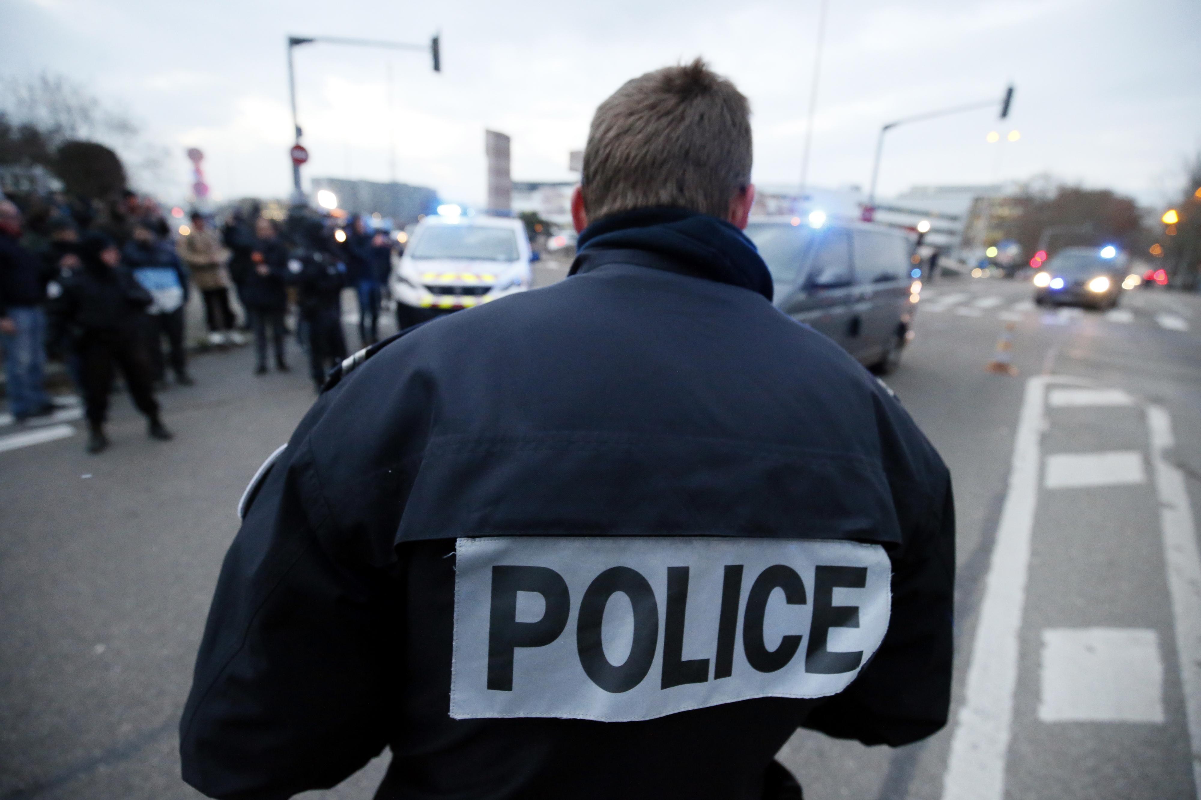 Dijon-PSG é o sétimo jogo adiado pela Liga francesa a pedido das autoridades
