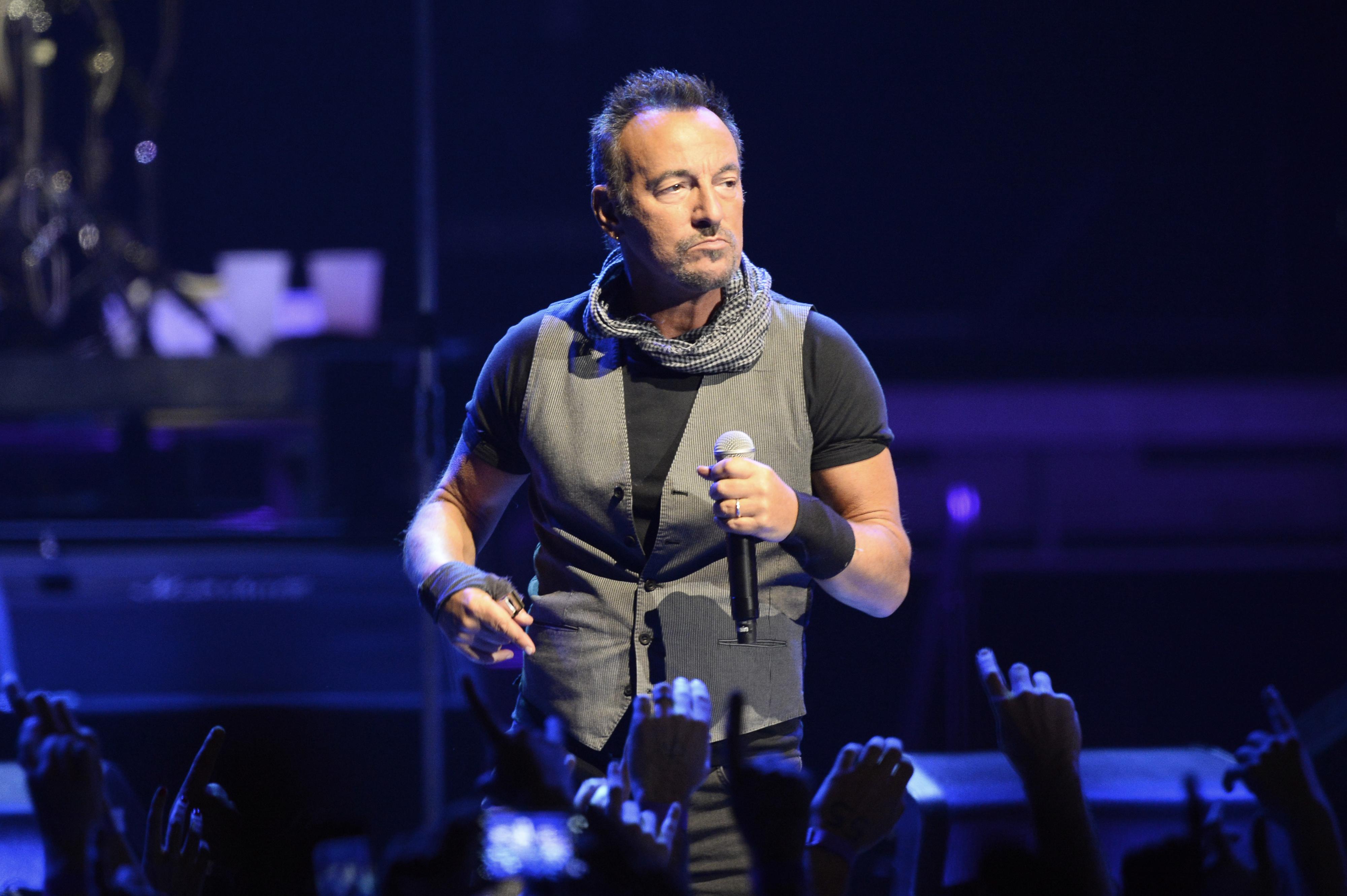 """""""Donald Trump é uma vergonha para os EUA"""", diz Bruce Springsteen"""