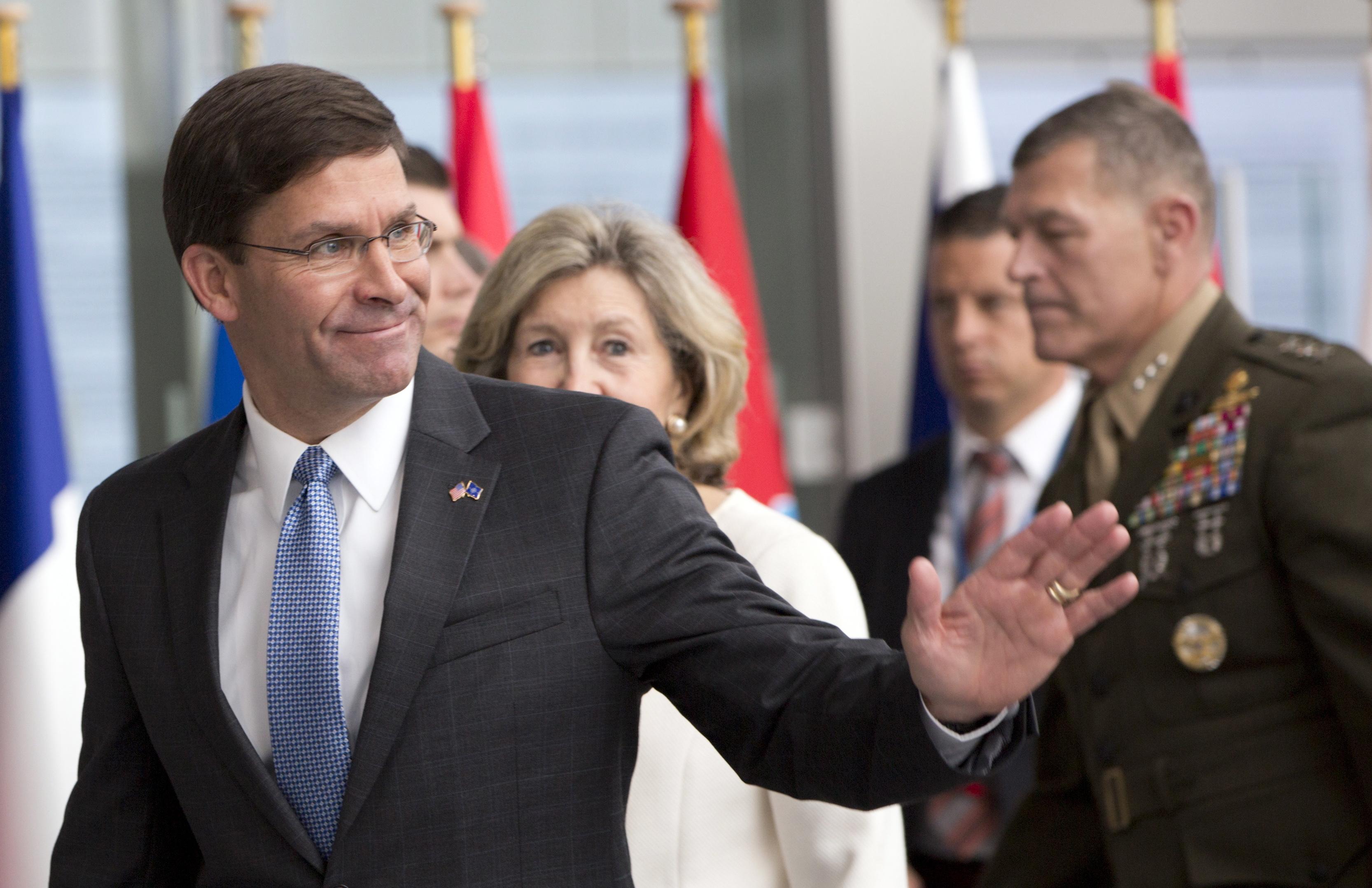 Casa Branca nomeia Mark Esper secretário da Defesa