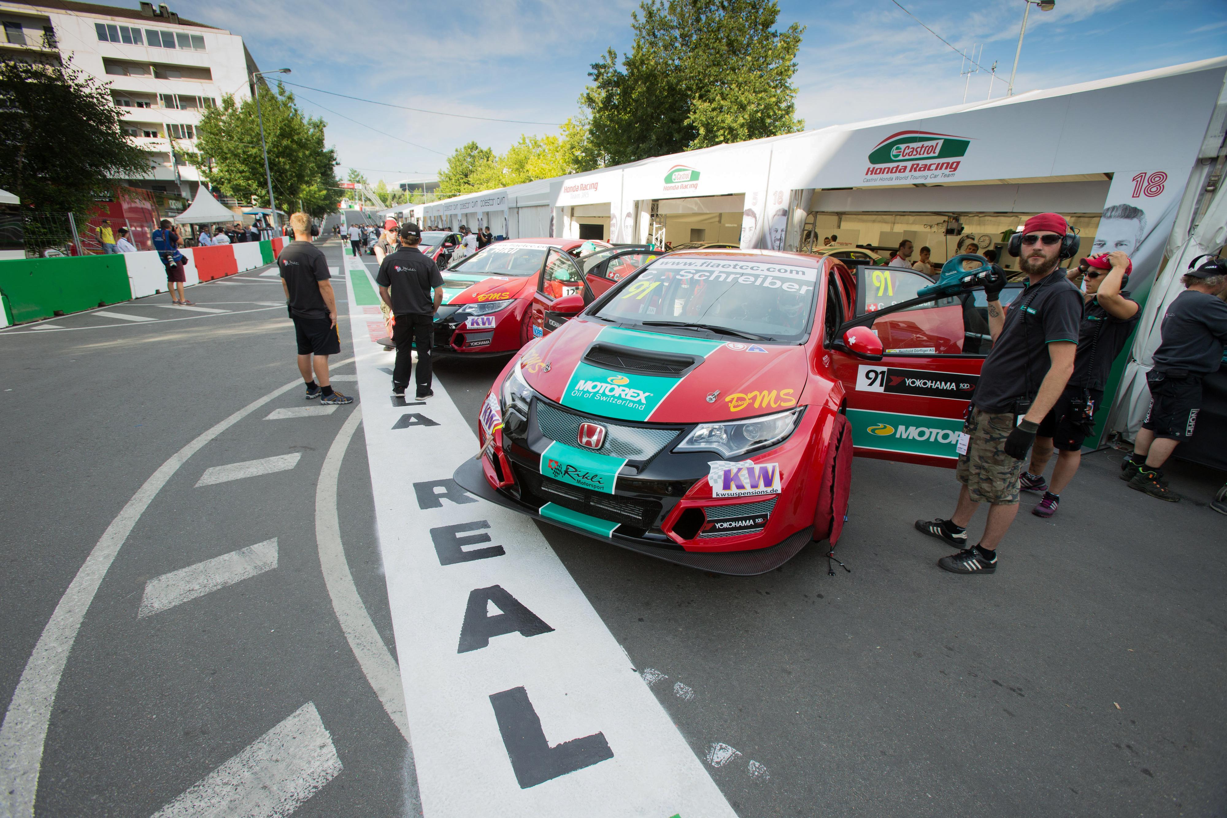 Fulin e Szabo vencem corridas em Vila Real do Europeu de carros de turismo