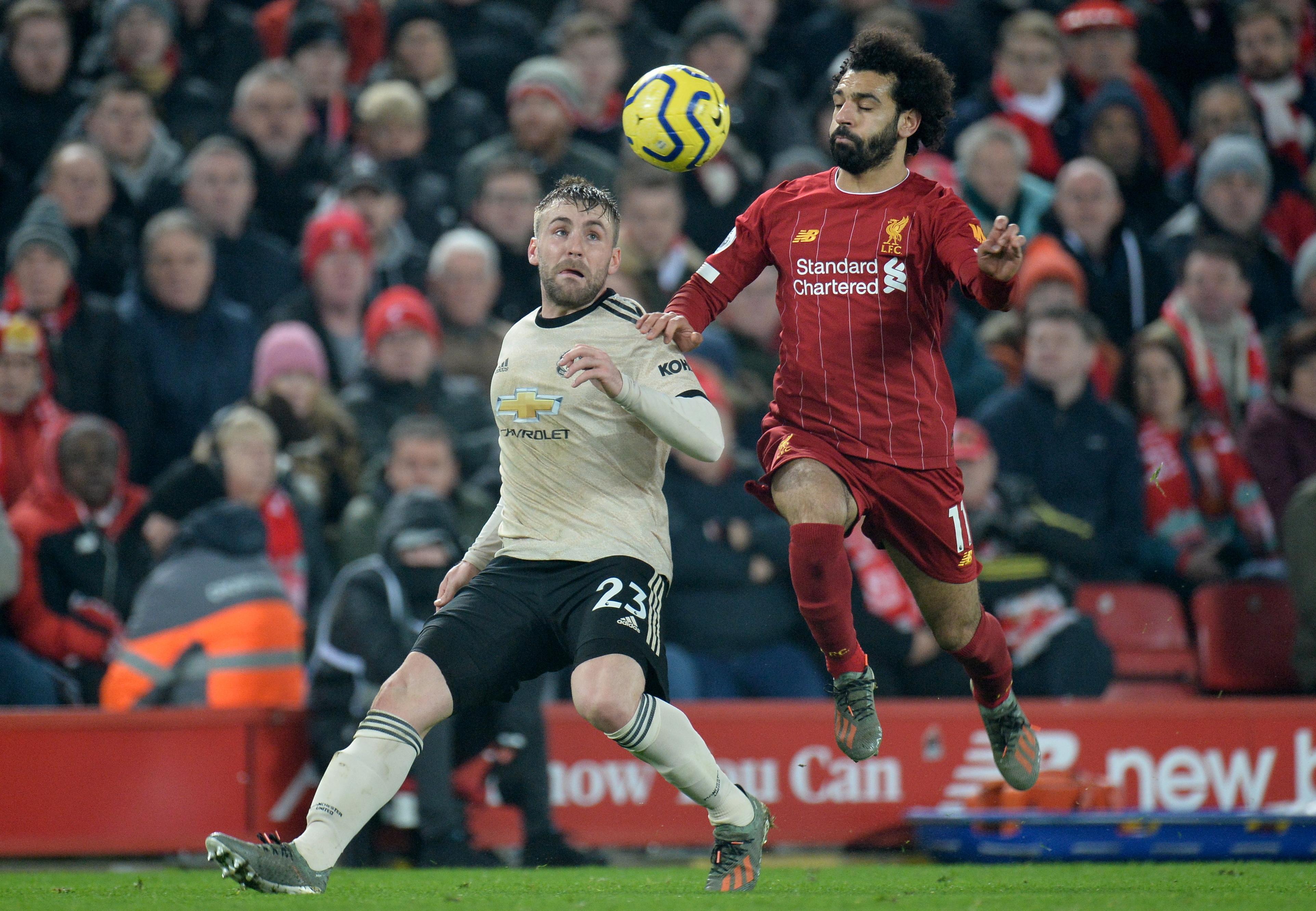 Liverpool vence United e começa a 'encomendar as faixas' em Inglaterra