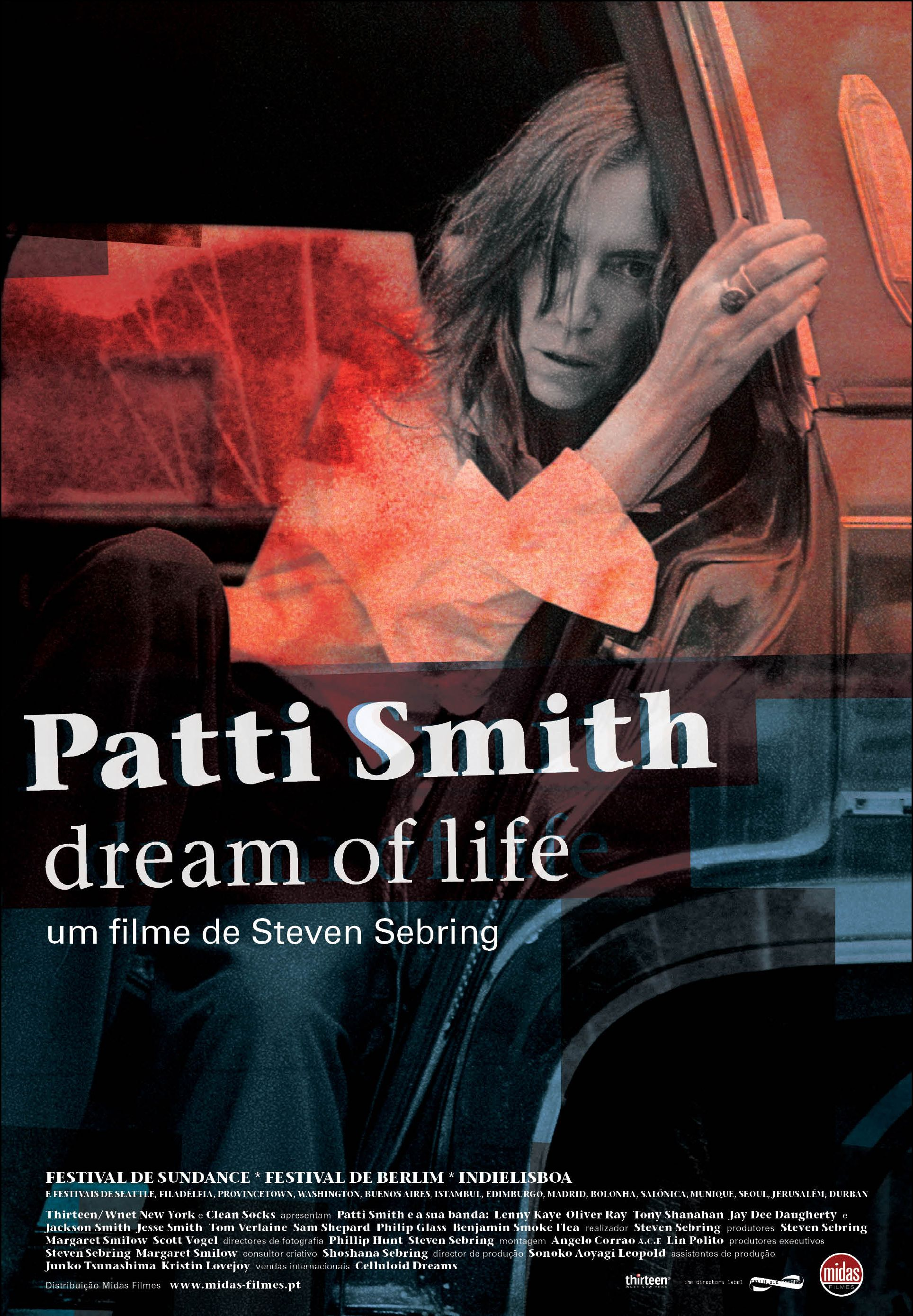 a biography of the early life of patti smith Find patti smith biography and history on allmusic a regular at cbgb's during the early days of new york punk patti smith: dream of life.