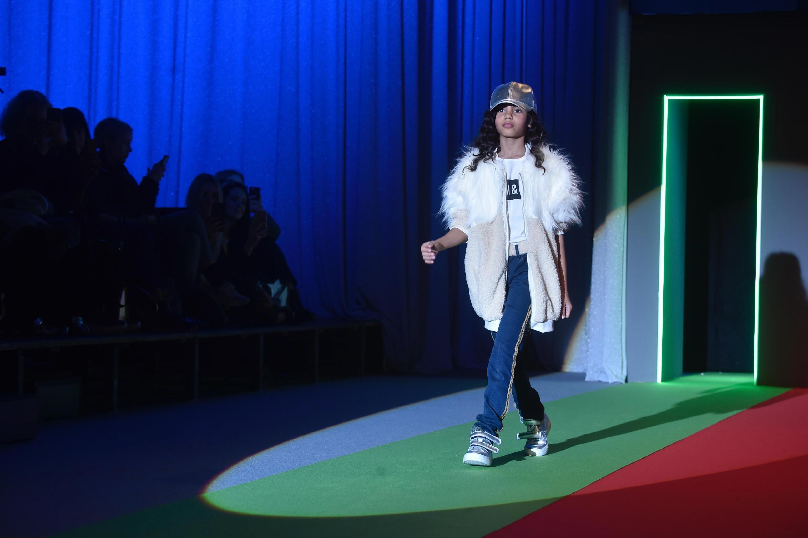 Marcas portuguesas em desfile de moda infantil em Florença