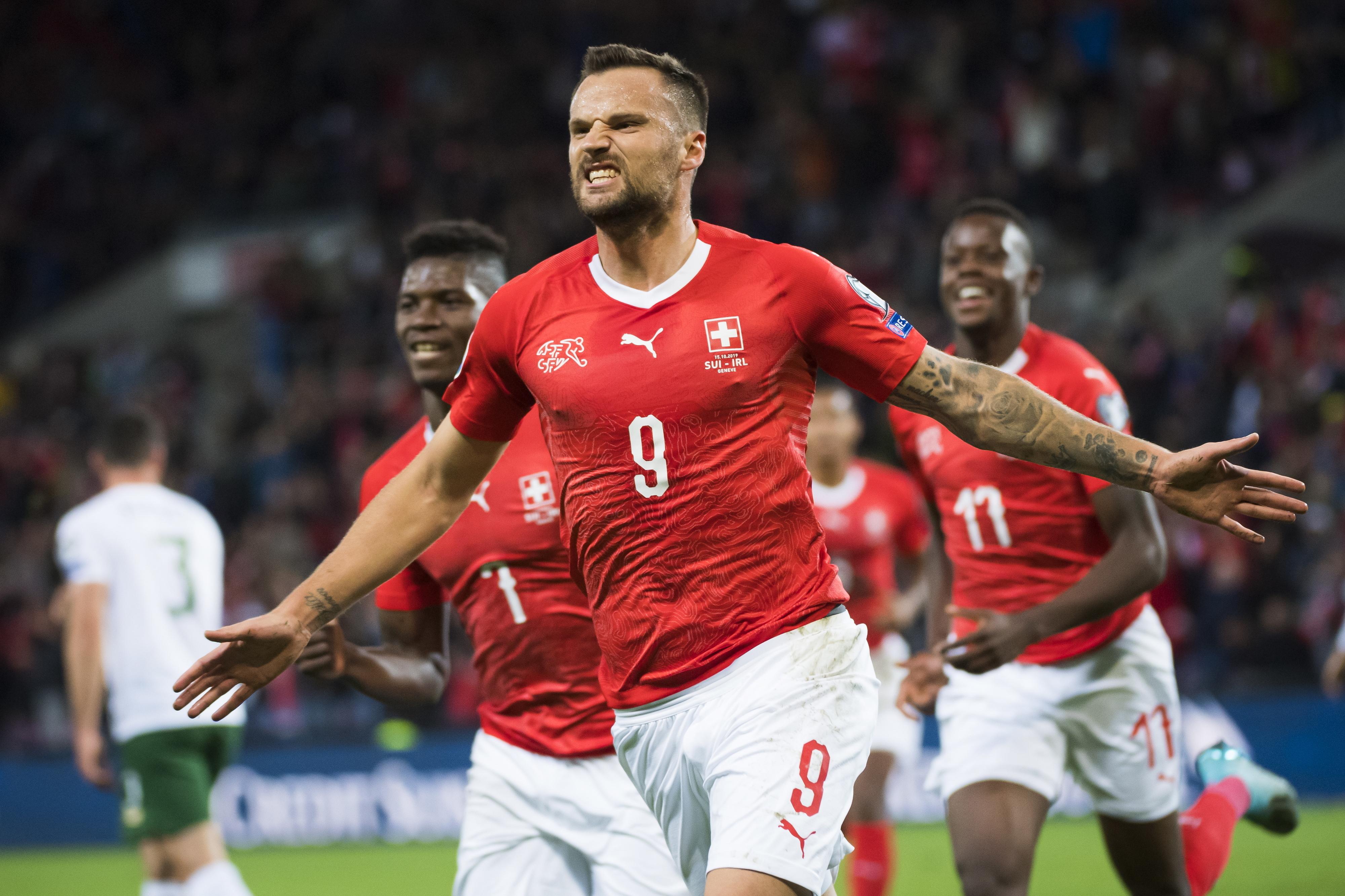 "Benfica revela ""rotura do solear da perna esquerda"" de Seferovic"