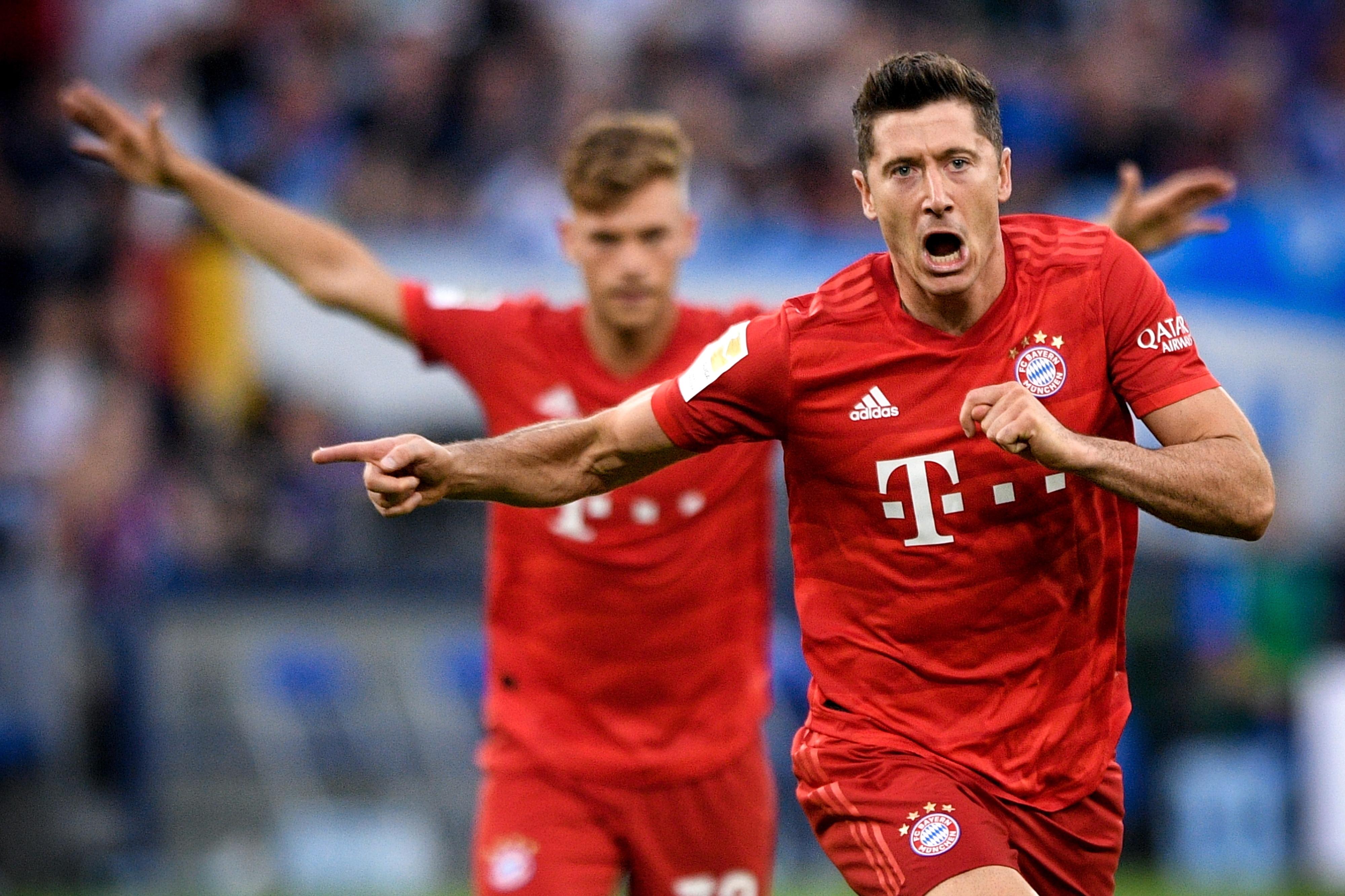 'Hat-trick' de Lewandowski dá primeira vitória ao Bayern no campeonato