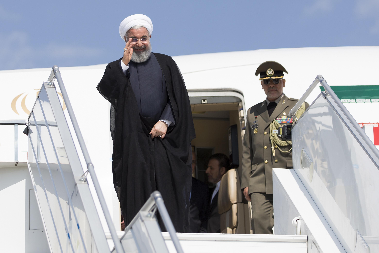 Presidente iraniano disponível para renegociar acordo nuclear com potências