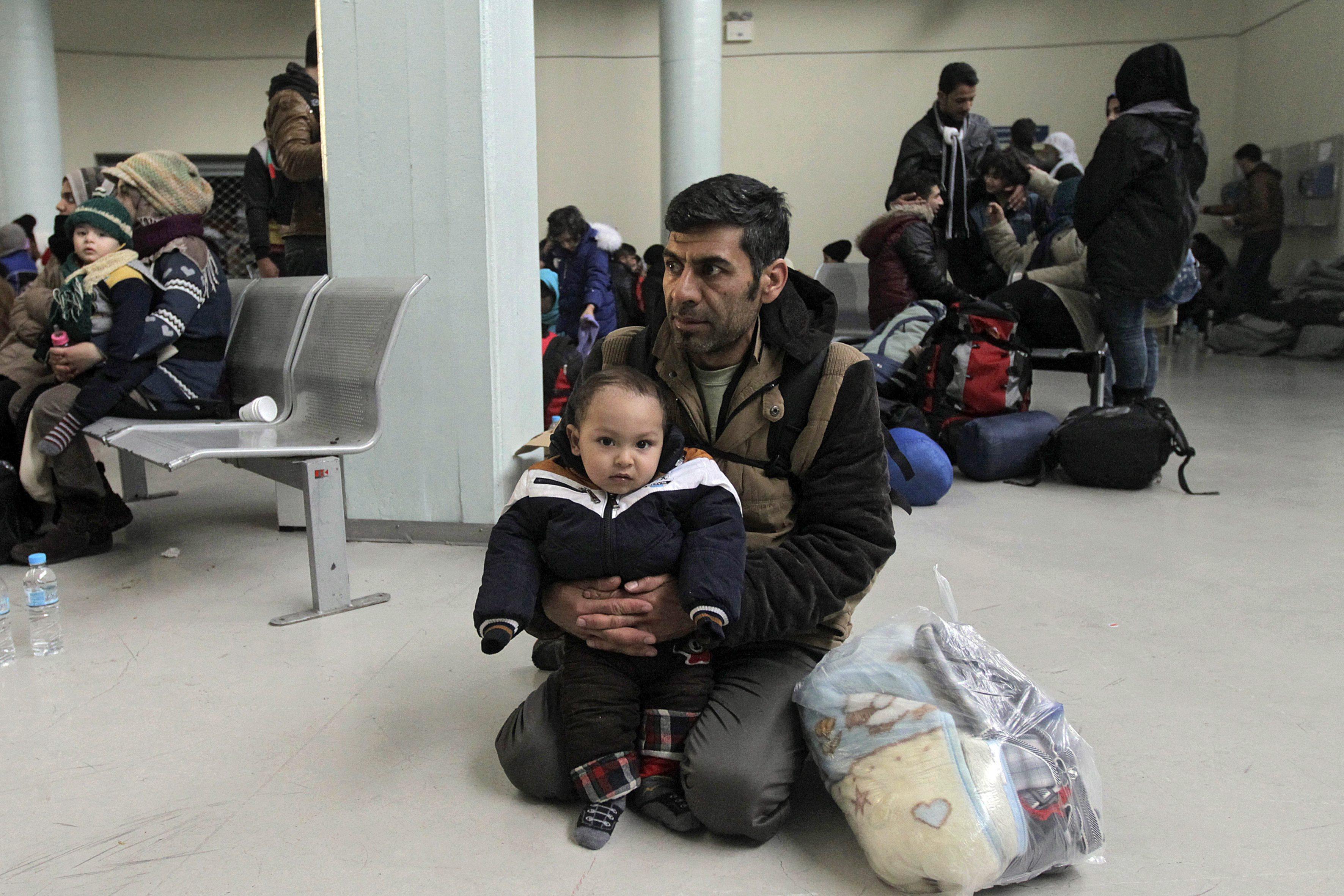 """Registos na Grécia funcionarão em pleno """"dentro de dias, um mês"""" - Comissão Europeia"""