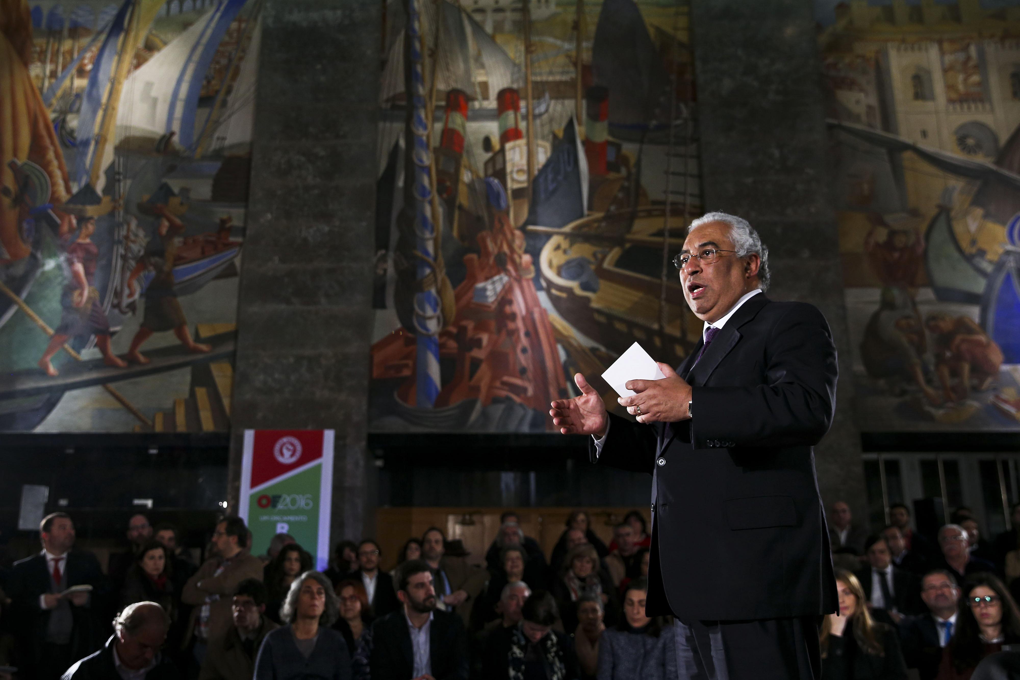 Costa defende que resultado final é favorável às famílias em 700 milhões de euros
