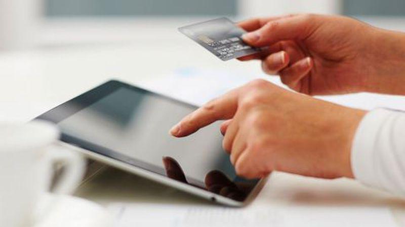 Estudo global revela que falta de confiança está a afastar os consumidores das compras online