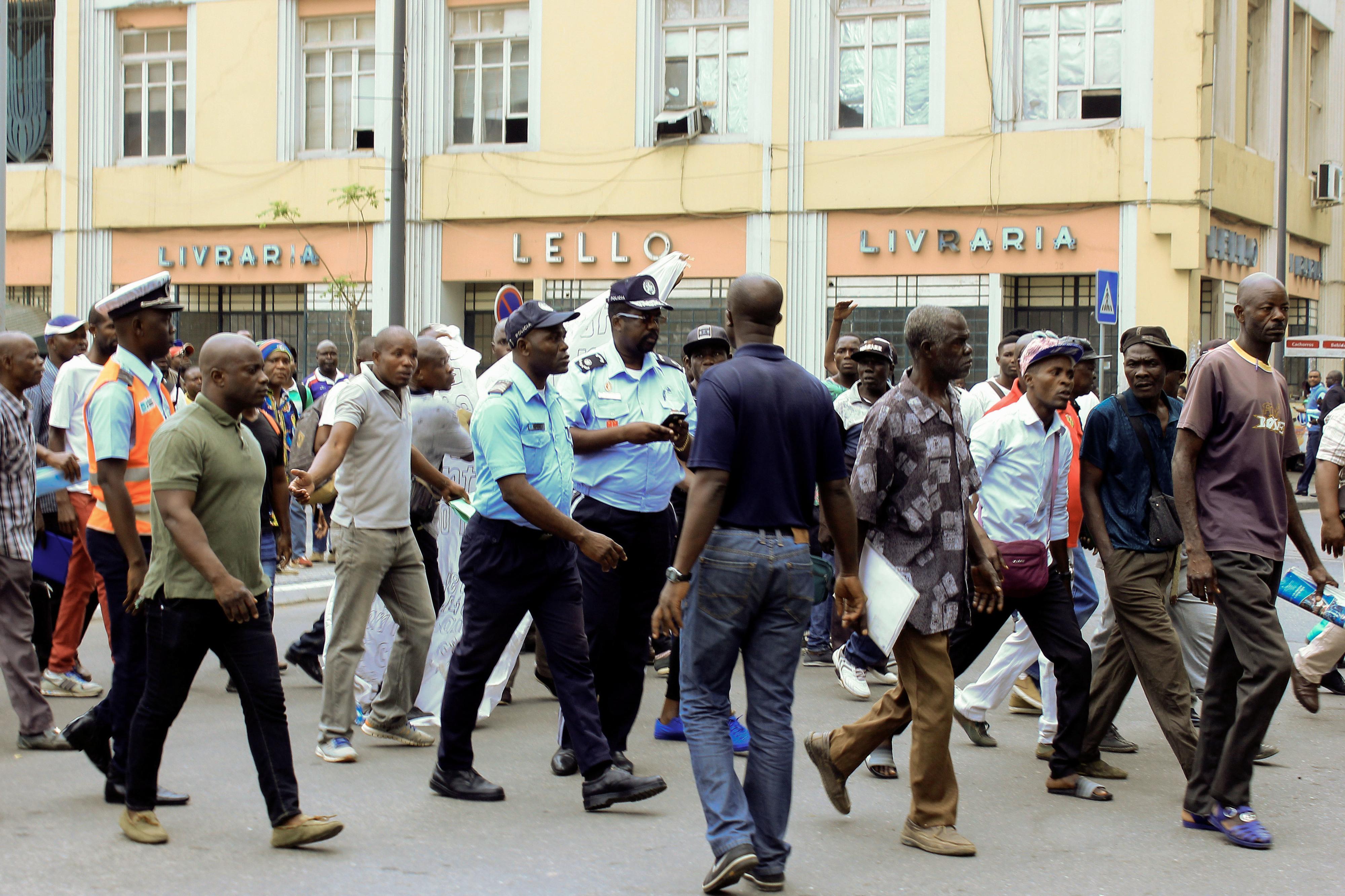 Manifestação em Luanda exige respostas para precariedade e salários em atraso