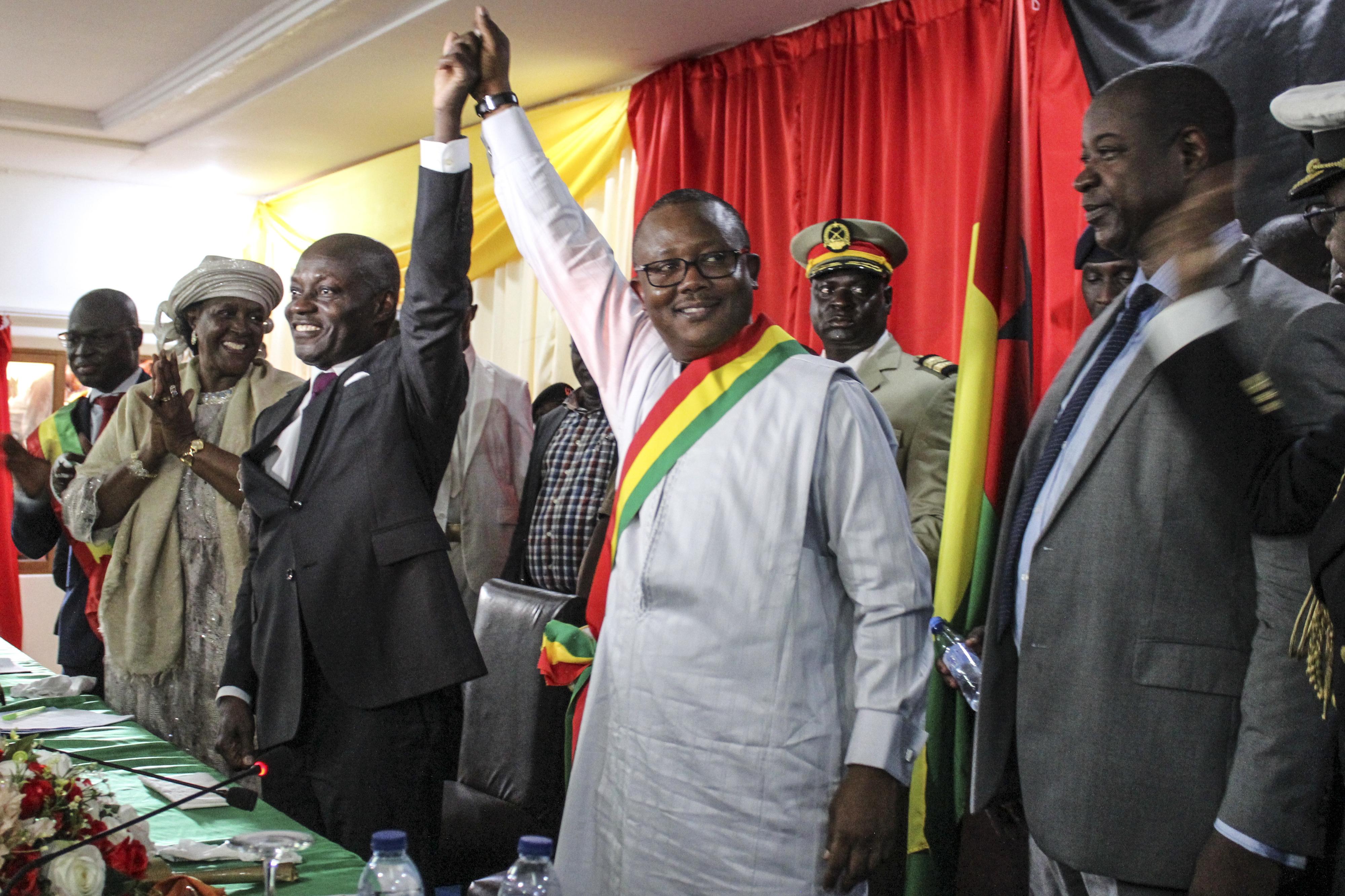 Governo guineense condena atitude de José Mário Vaz e cumplicidade de forças armadas