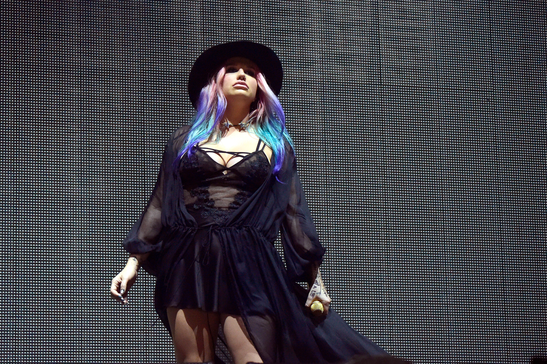 """Kesha de volta à música: Cantora e Zedd criam nova versão de """"True Colors"""""""