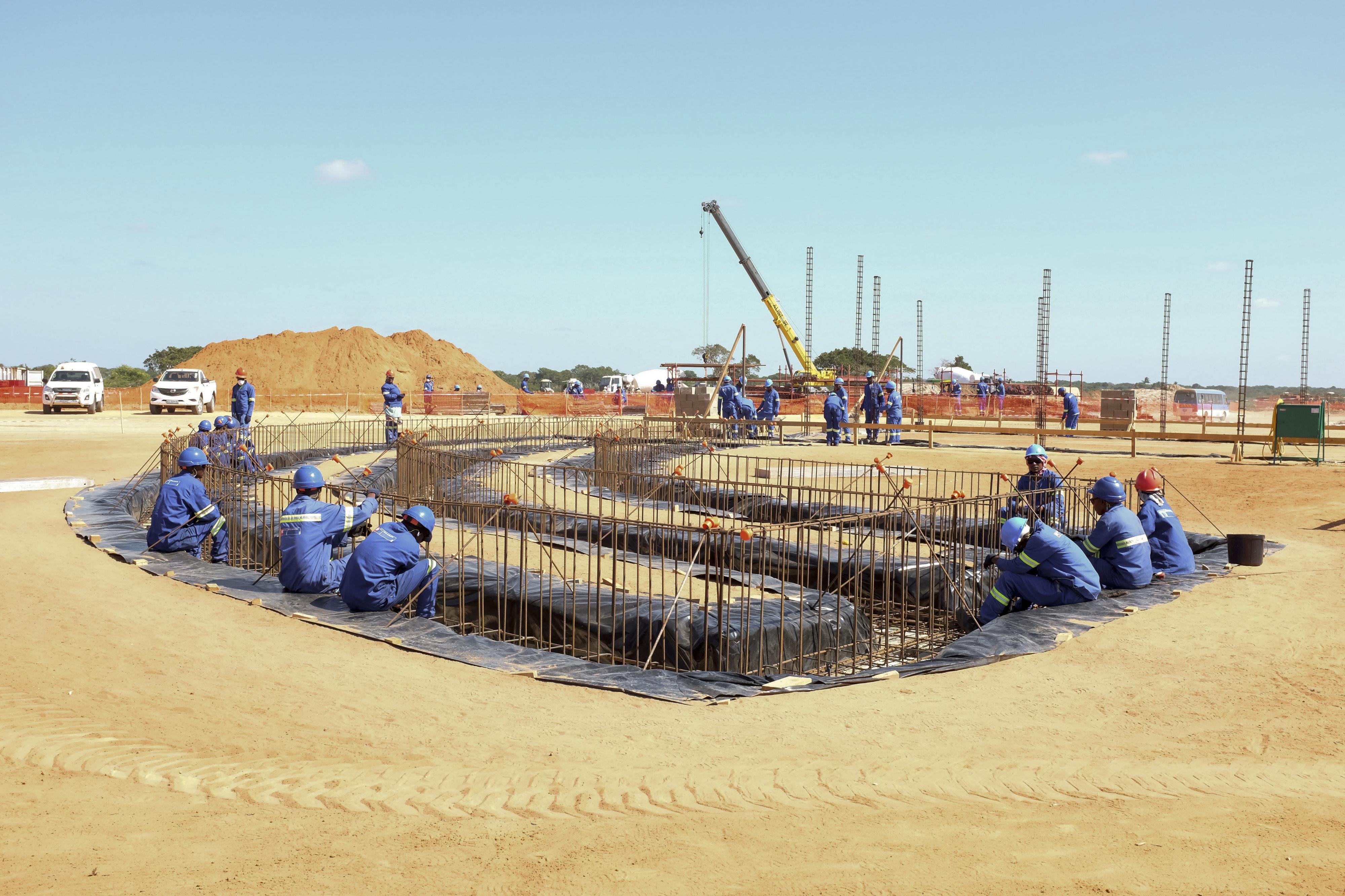 Projeto de gás da Área 1 prevê adjudicar 2.200 ME a empresas moçambicanas
