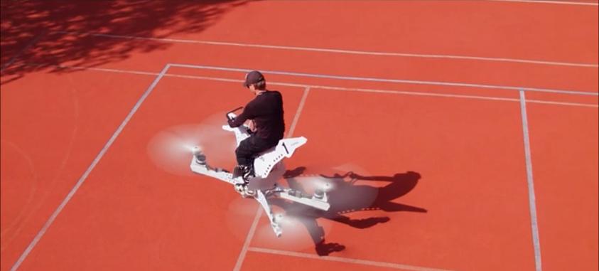 O que acontece se cruzar uma mota e um drone? Uma mota voadora (e há um vídeo que o prova)