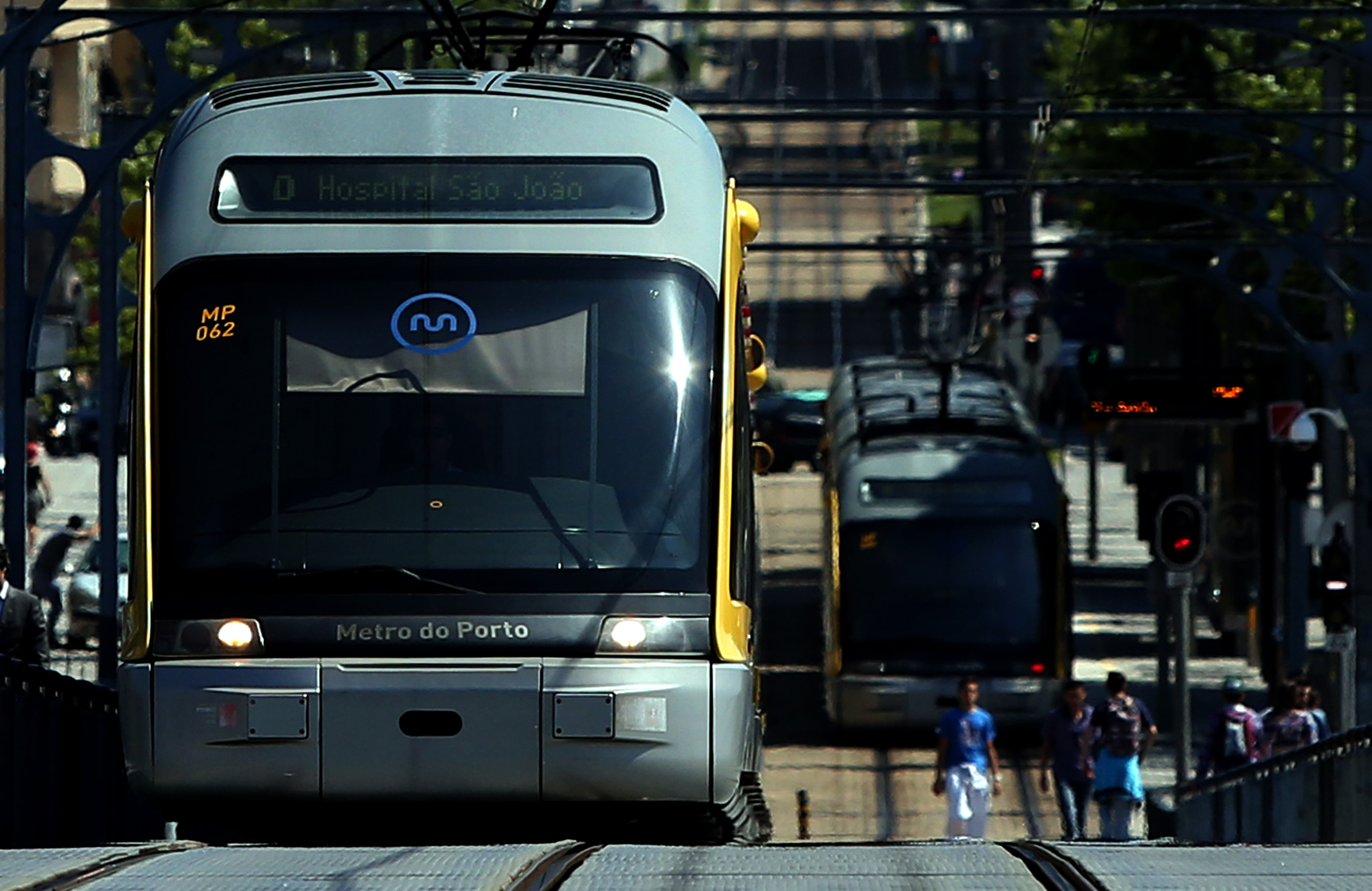 """Metro do Porto lança concurso público de 221 ME para """"subconcessão do sistema"""""""