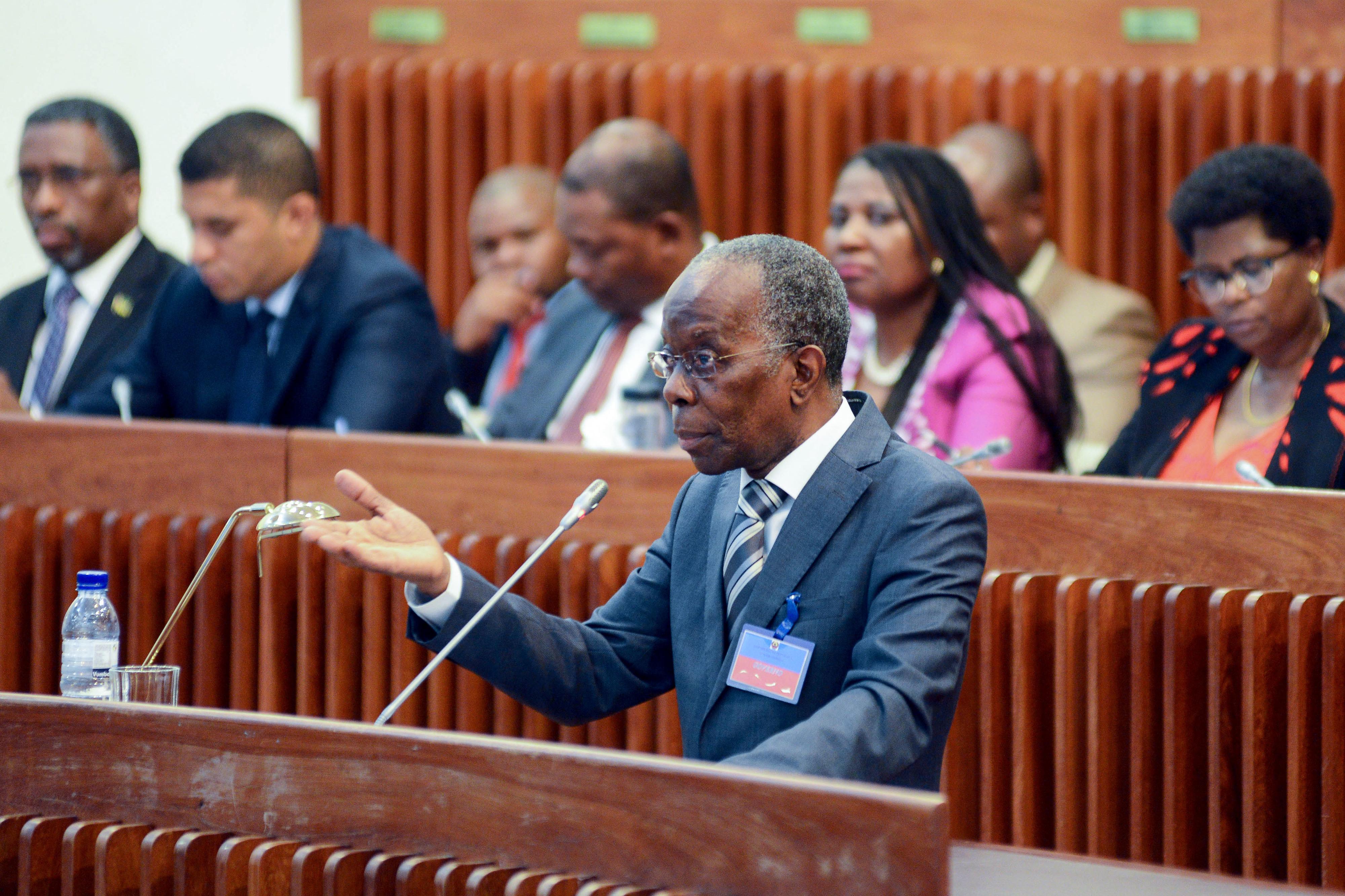 Governo moçambicano rejeita que esteja a arrastar negociações com credores
