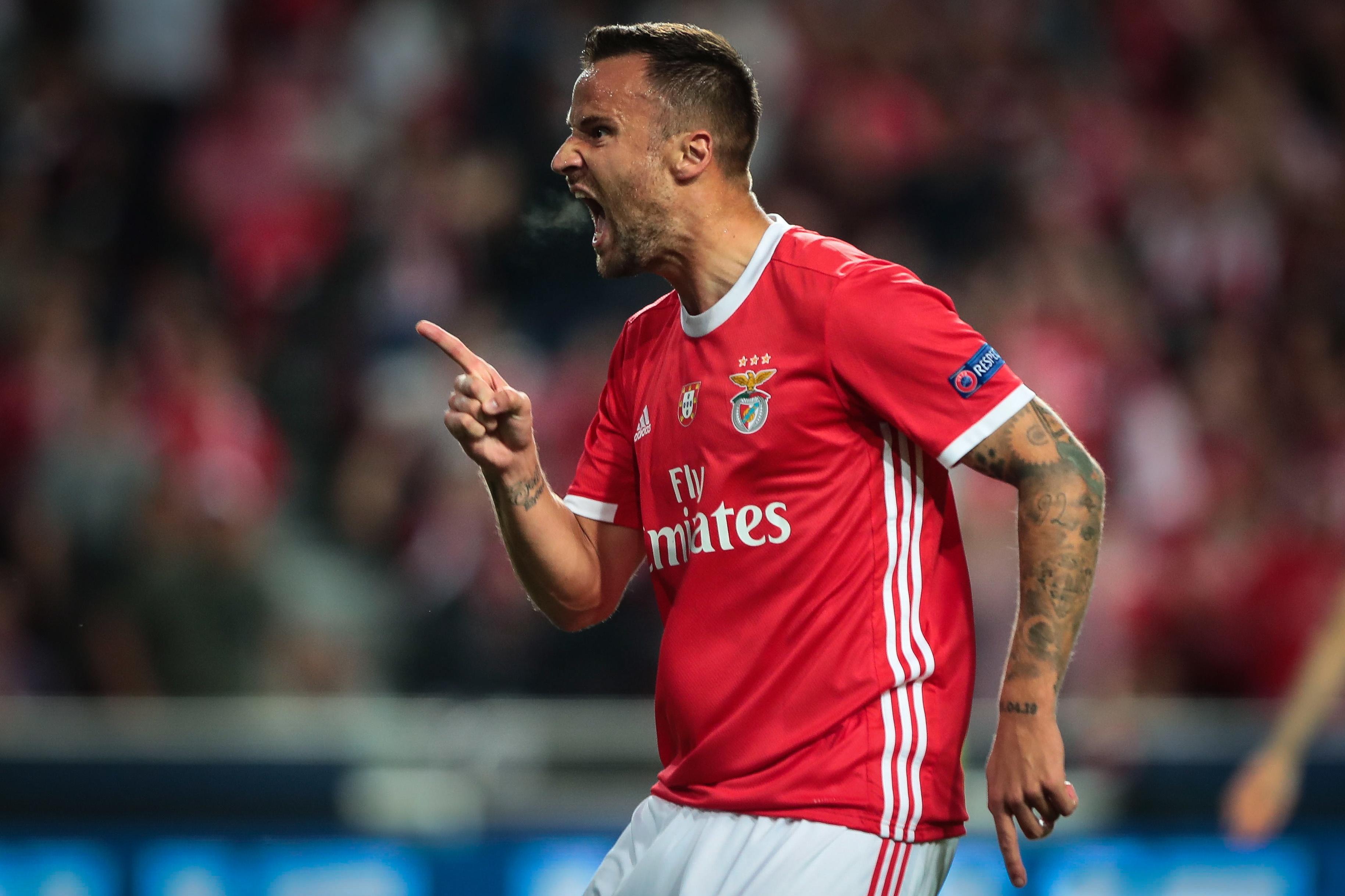 Seferovic regressa aos convocados do Benfica, após um mês ausente
