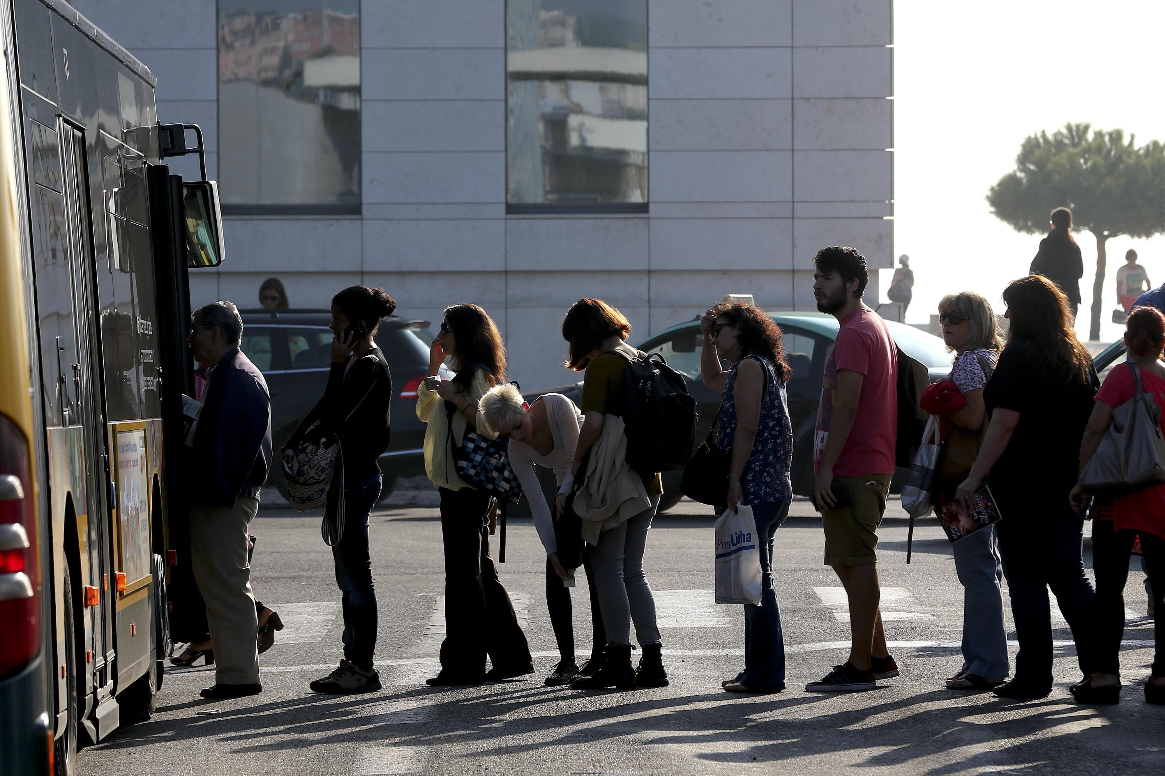 Nova aplicação permitirá pagar e utilizar transportes em Lisboa através do telemóvel