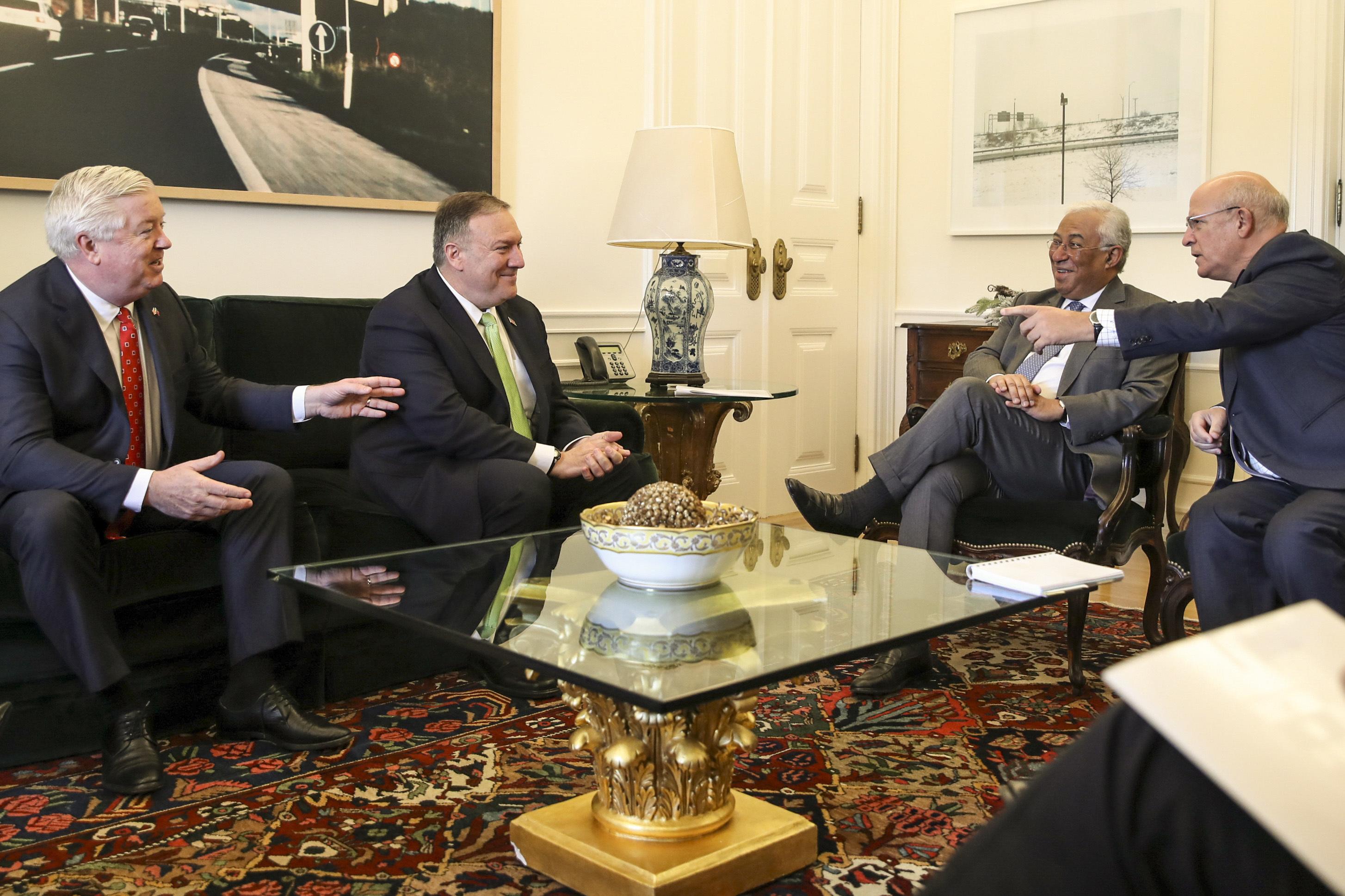 Costa recebeu Mike Pompeo em São Bento numa reunião sobre relações luso-americanas