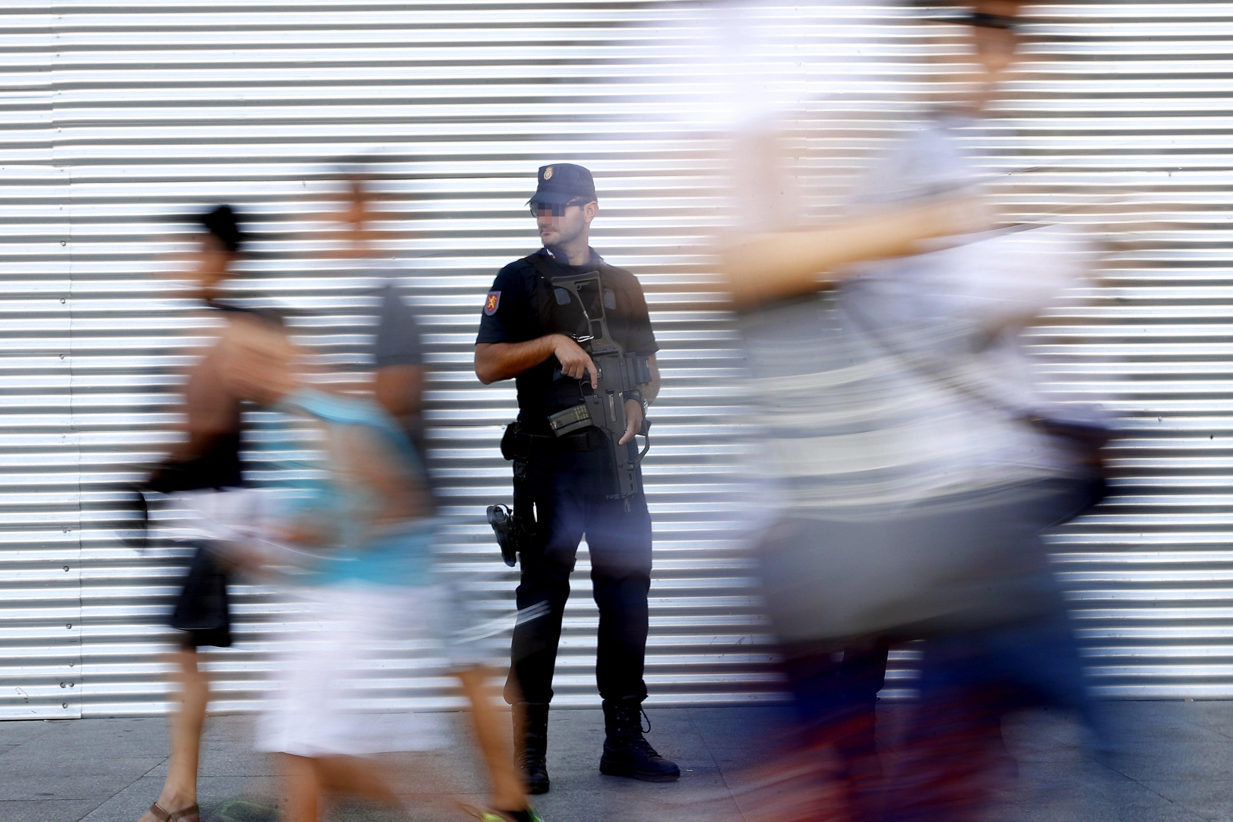 Autor do ataque em Barcelona abatido pela polícia