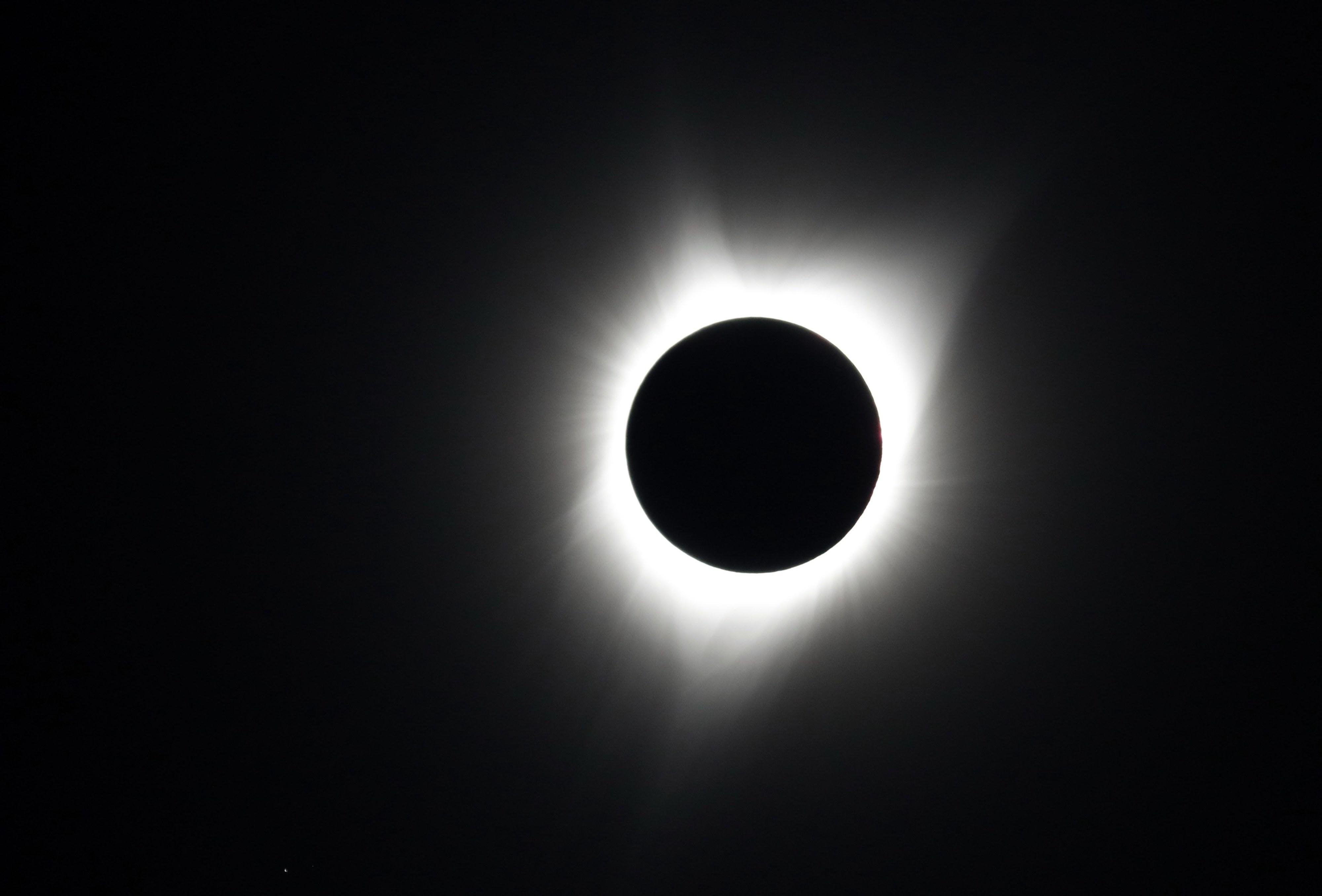 Eclipse do Sol que permitiu validar Teoria da Relatividade Geral faz 100 anos