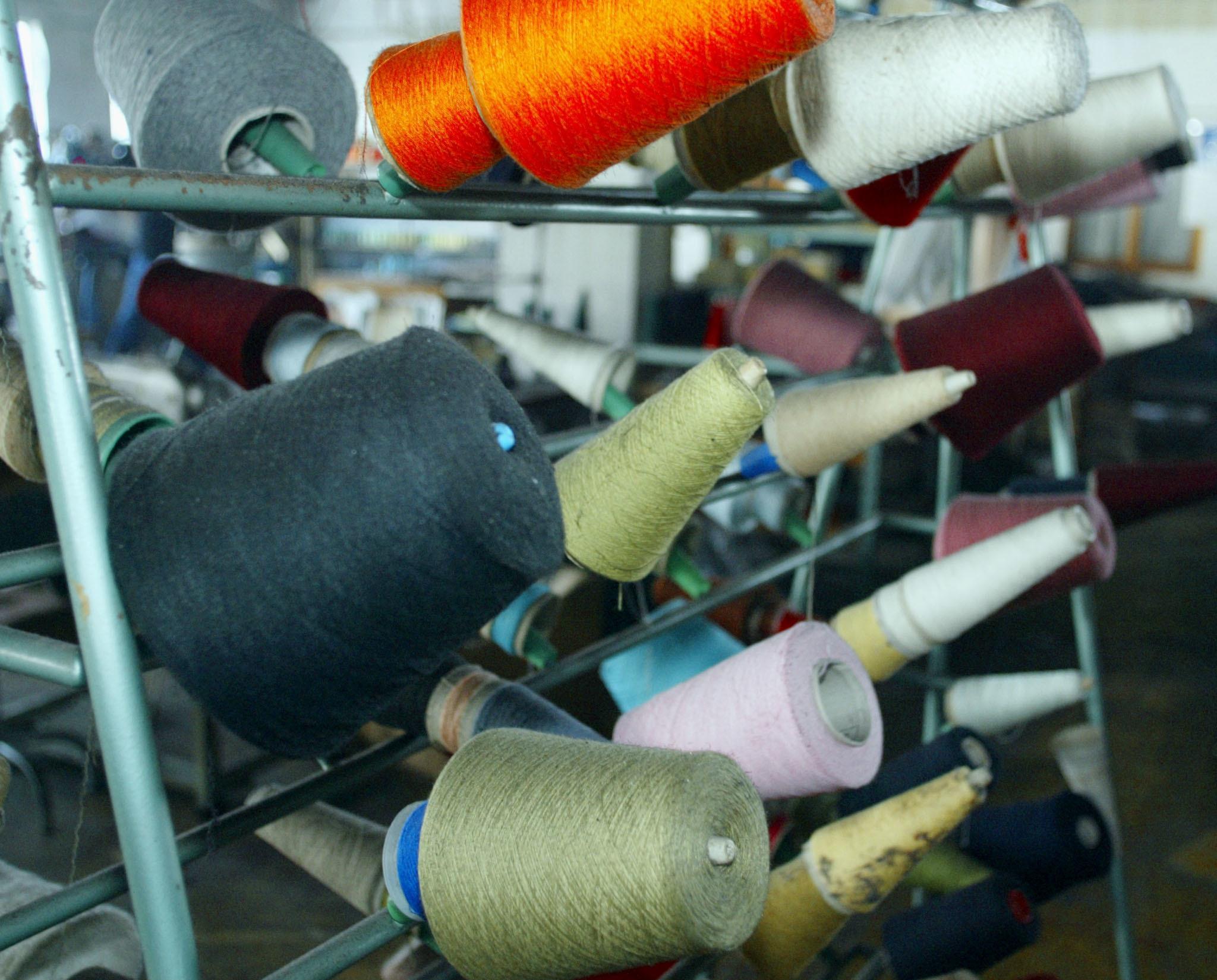 Estado angolano assume gestão de fábricas têxteis arrestadas pela PGR