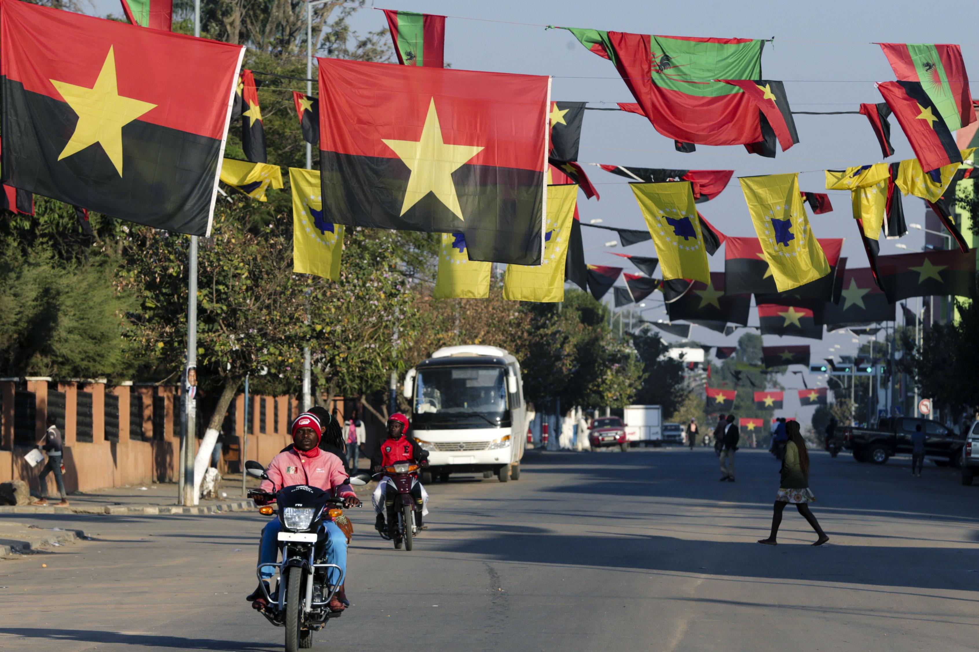 Observadores da CPLP esclarecidos pelo presidente da CNE