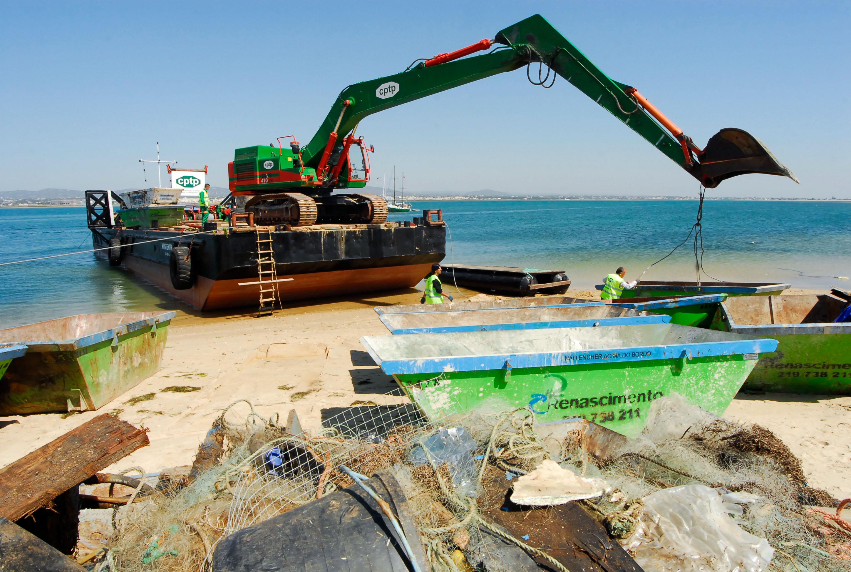 Ilha da Culatra perde areal e vigilância balnear após dragagens