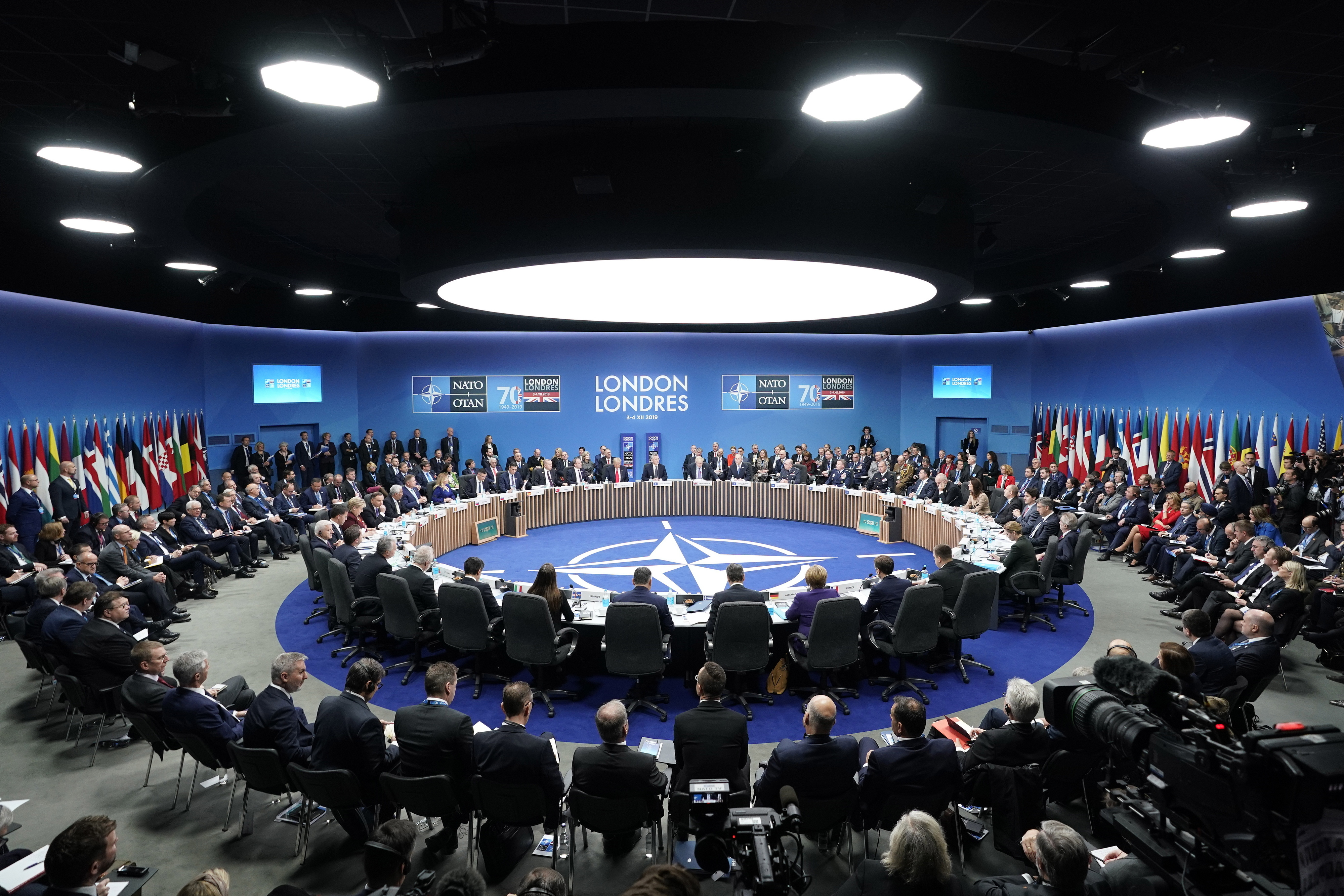 Pequim acusa EUA de ameaçar o mundo com unilateralismo