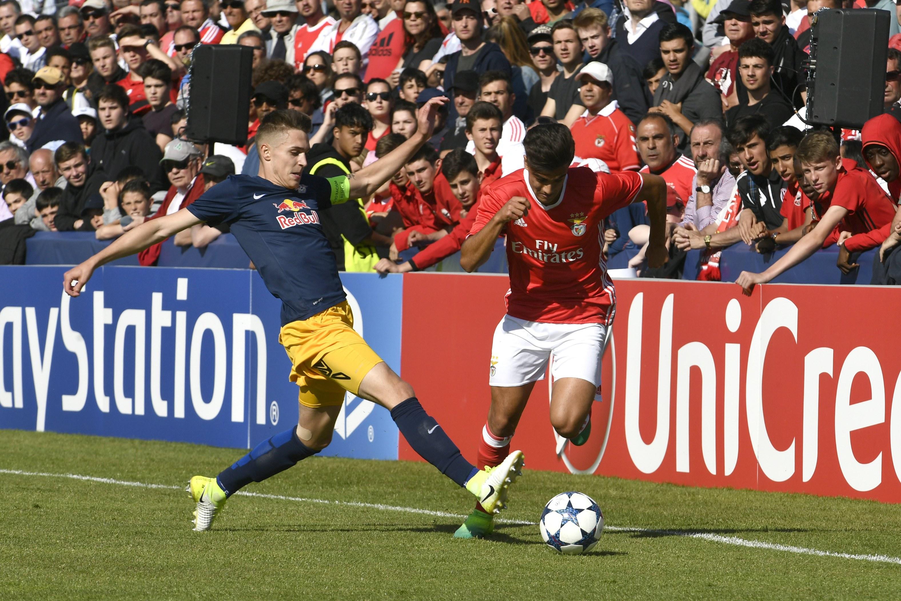 Salzburgo bate Benfica e conquista UEFA Youth League
