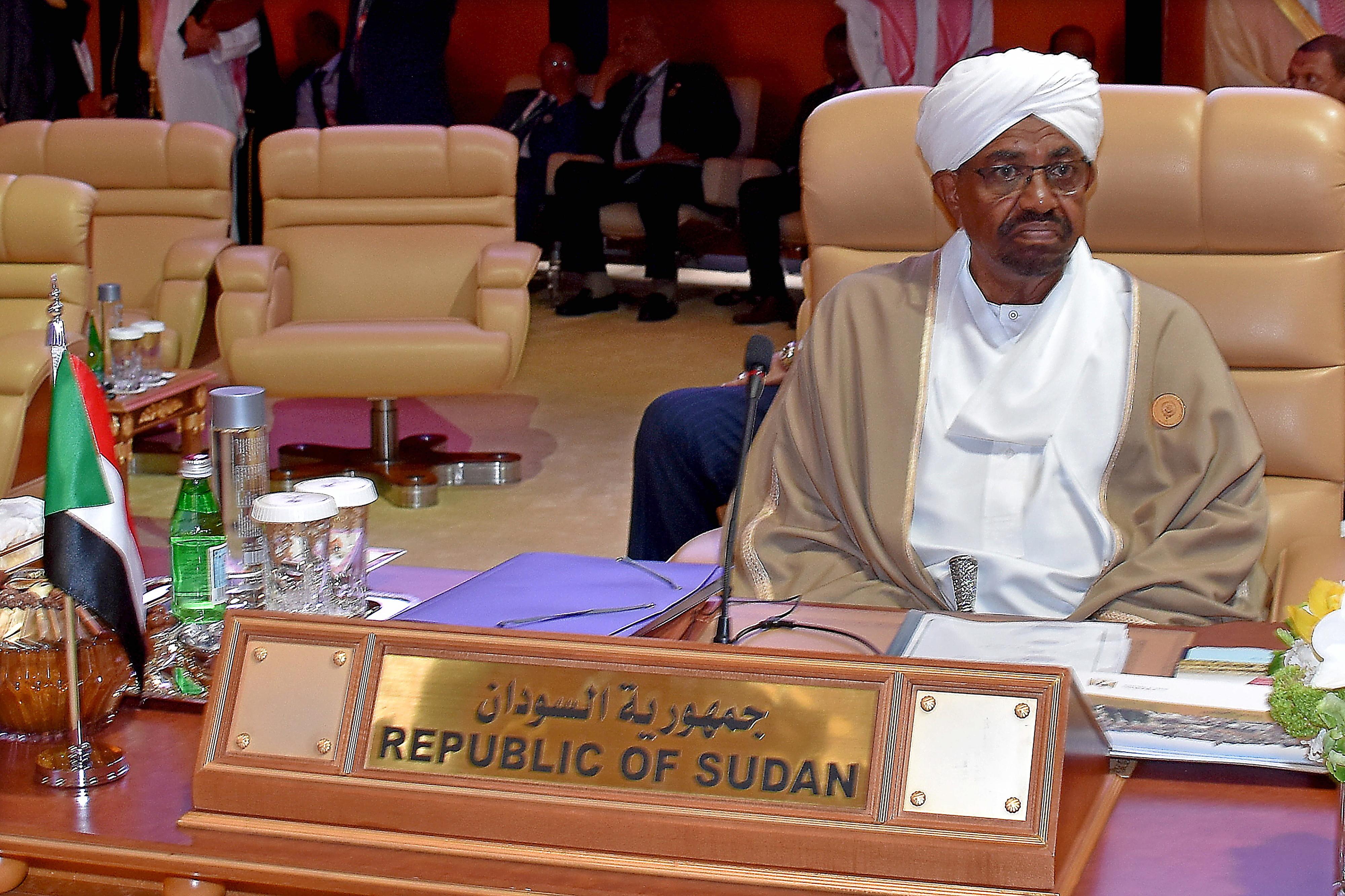 Tribunal condena ex-Presidente do Sudão Al Bashir a dois anos por corrupção
