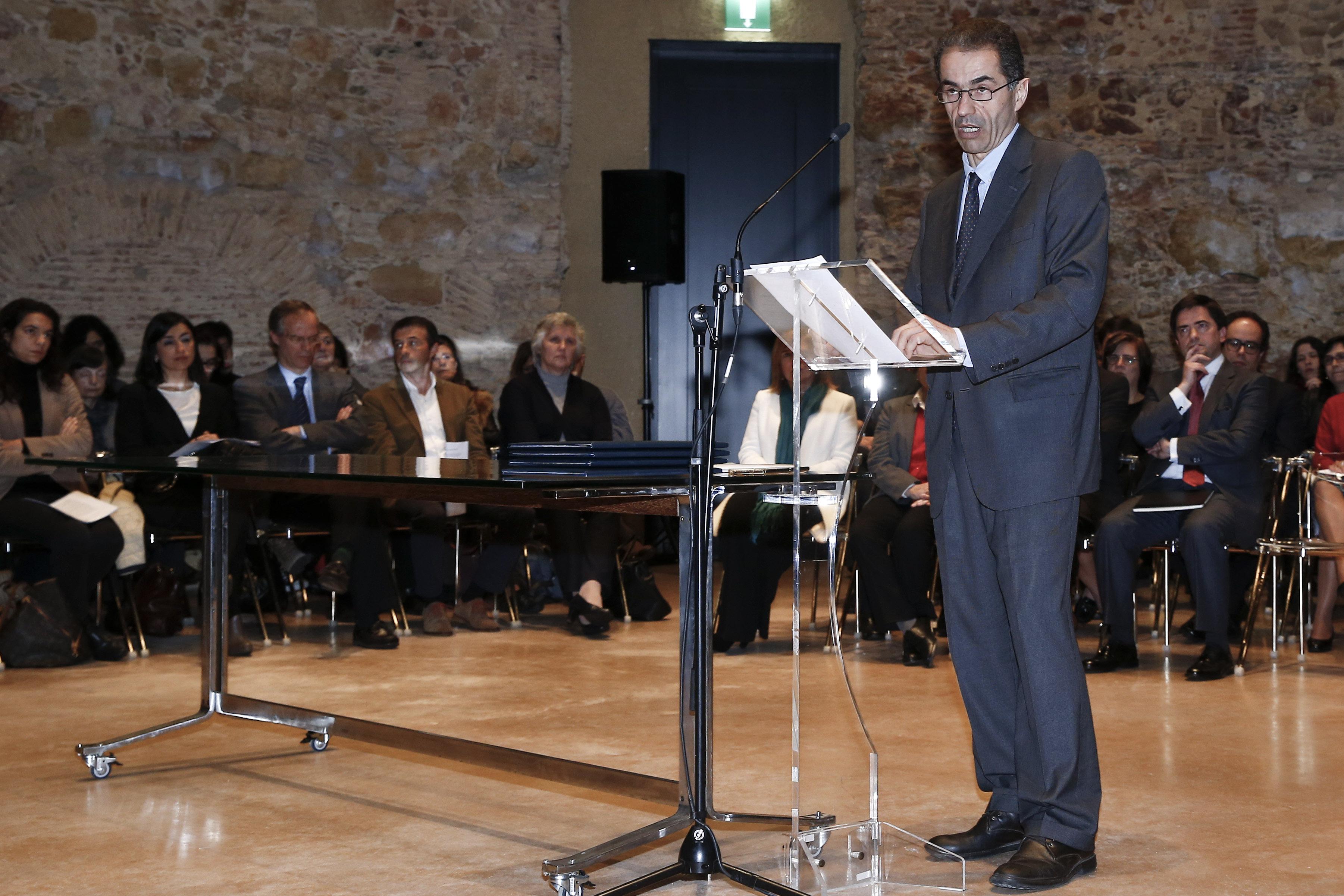 Portugal propôs à Alemanha mecanismo para estudantes em situação de emergência - ministro