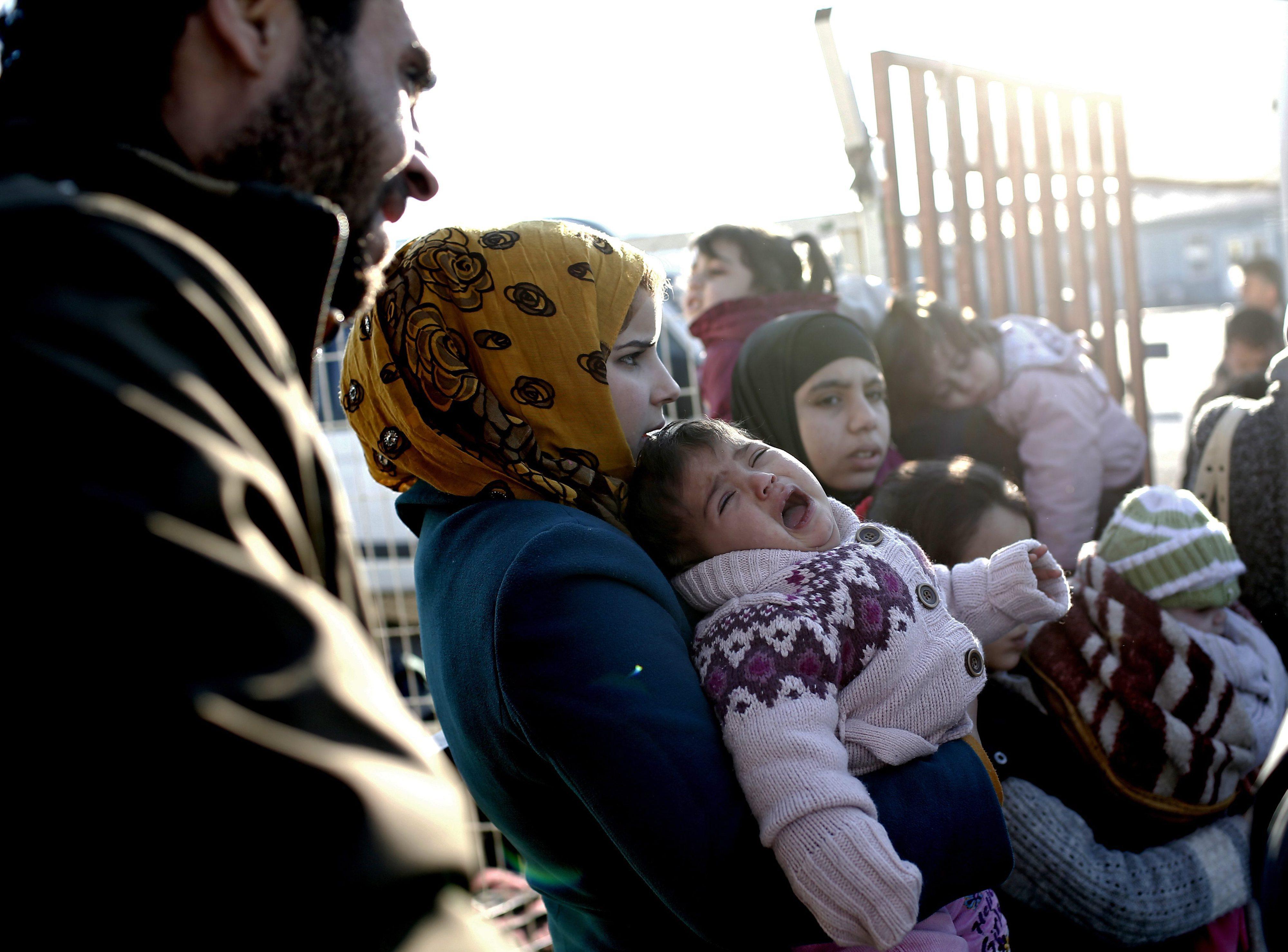 ONU pede à Turquia para abrir fronteira e à Rússia para parar bombardeamentos