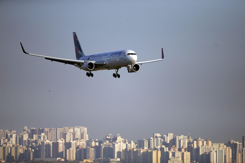 Maior companhia aérea da América Latina deixa de voar para a Venezuela no sábado