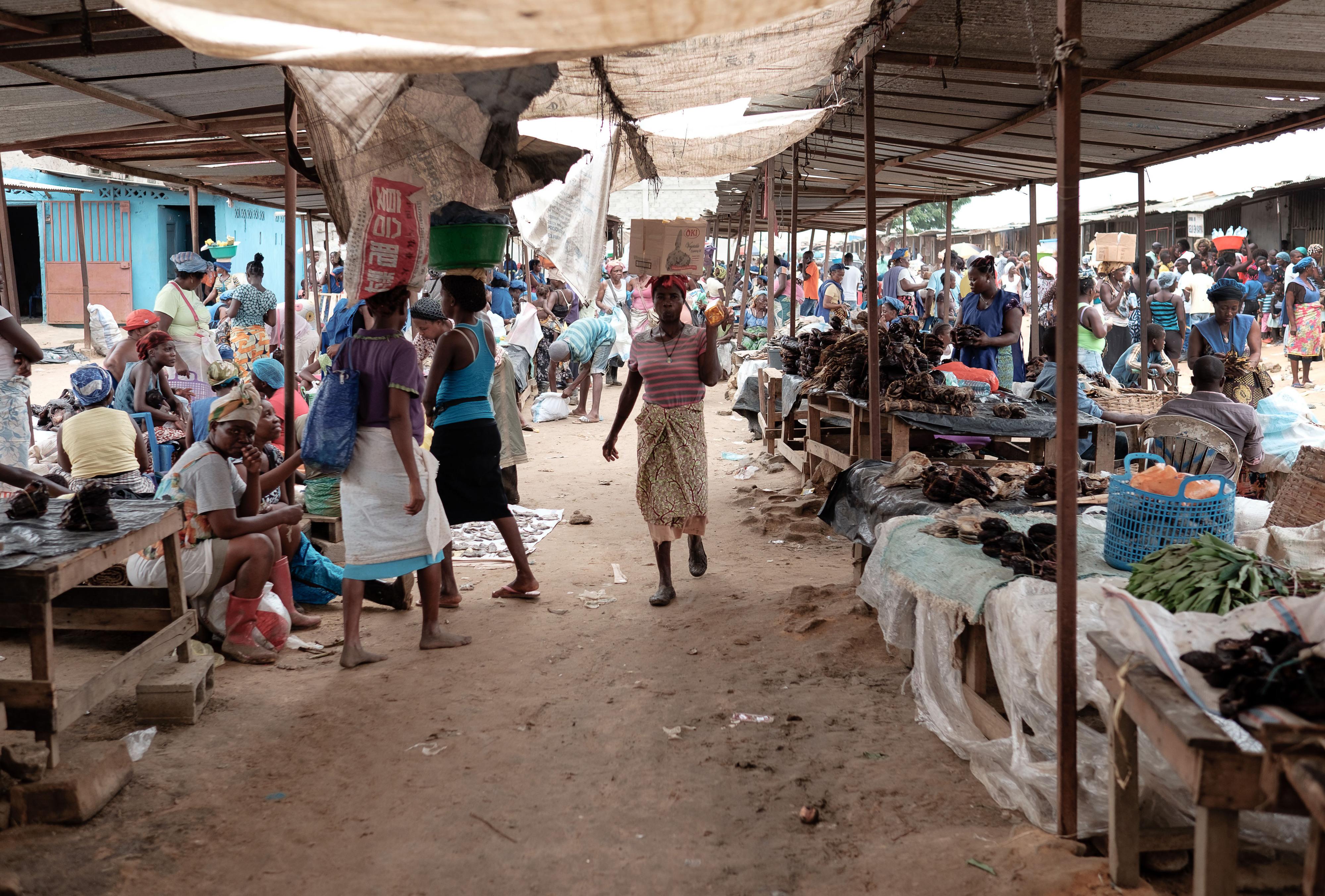 Luso-angolano arguido em Espanha em caso de corrupção na construção de mercado de Luanda