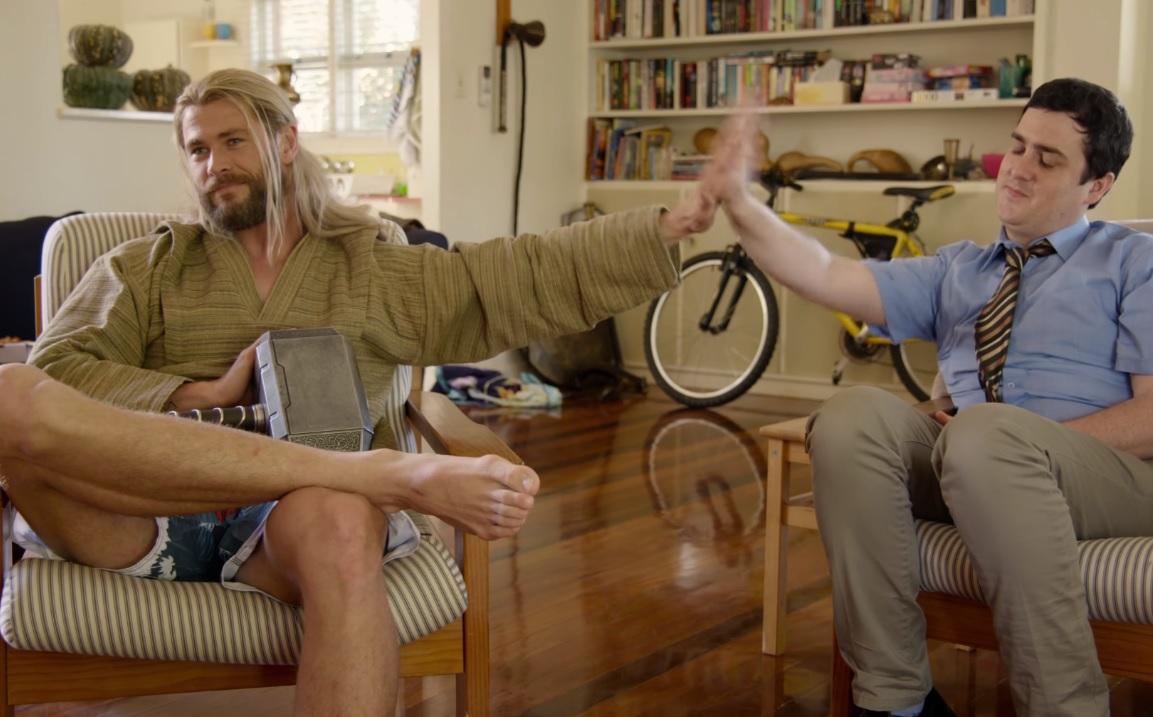 """Paródia: O que andou Thor a fazer durante """"Capitão América: Guerra Civil""""?"""
