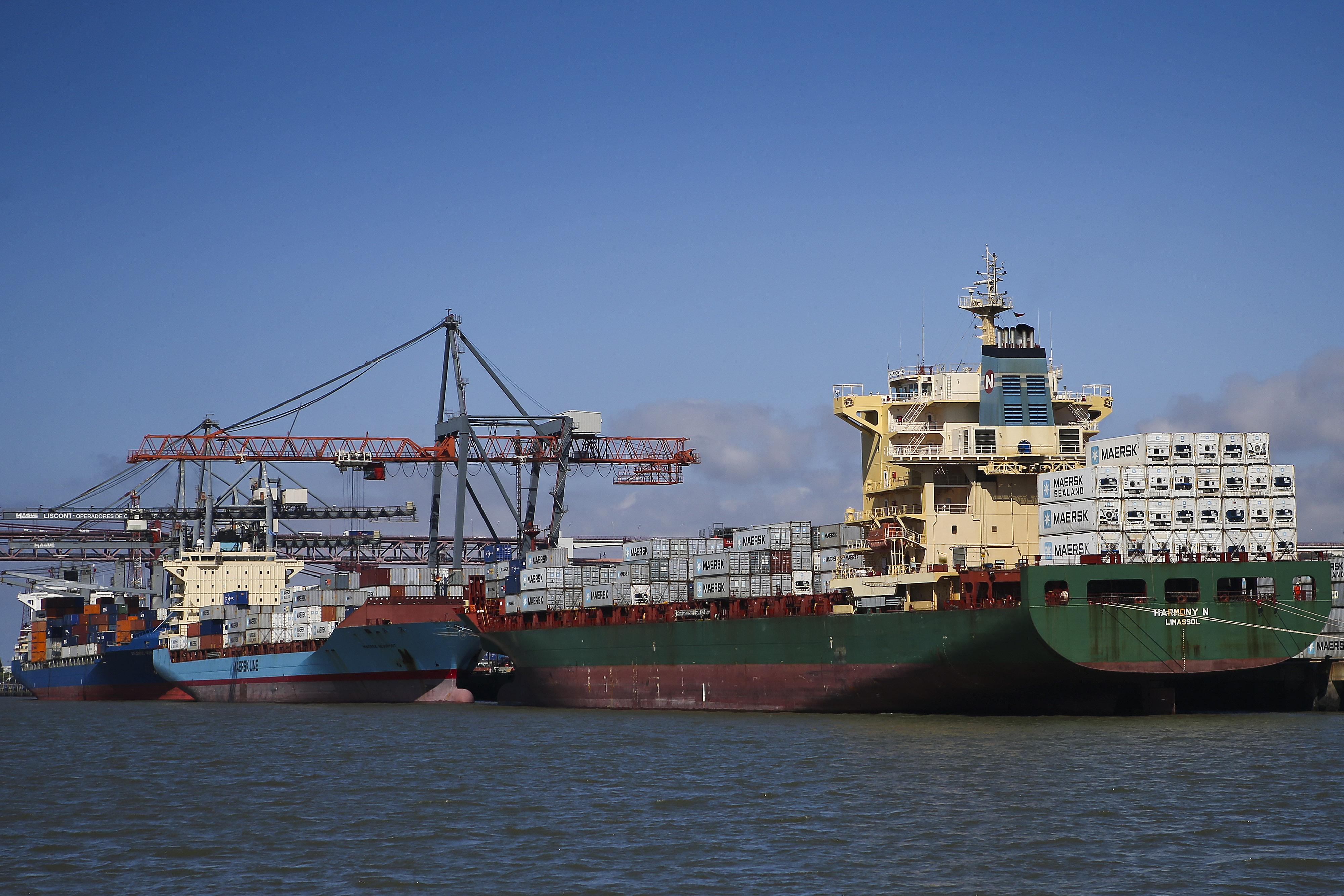 Governo está a negociar com administrações portuárias para evitar greve
