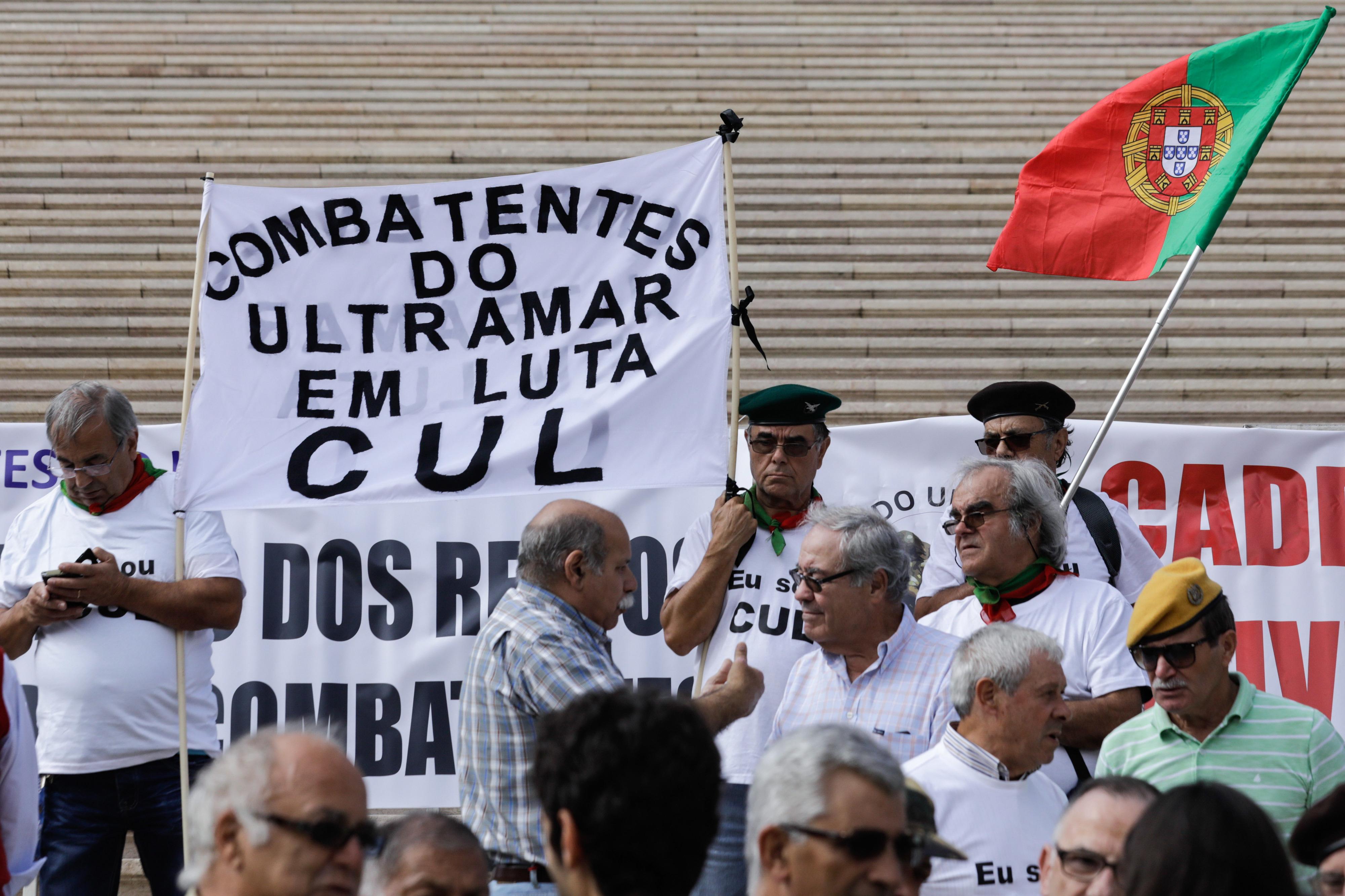 Antigos combatentes prometem concentrações mensais junto ao parlamento para reclamar estatuto