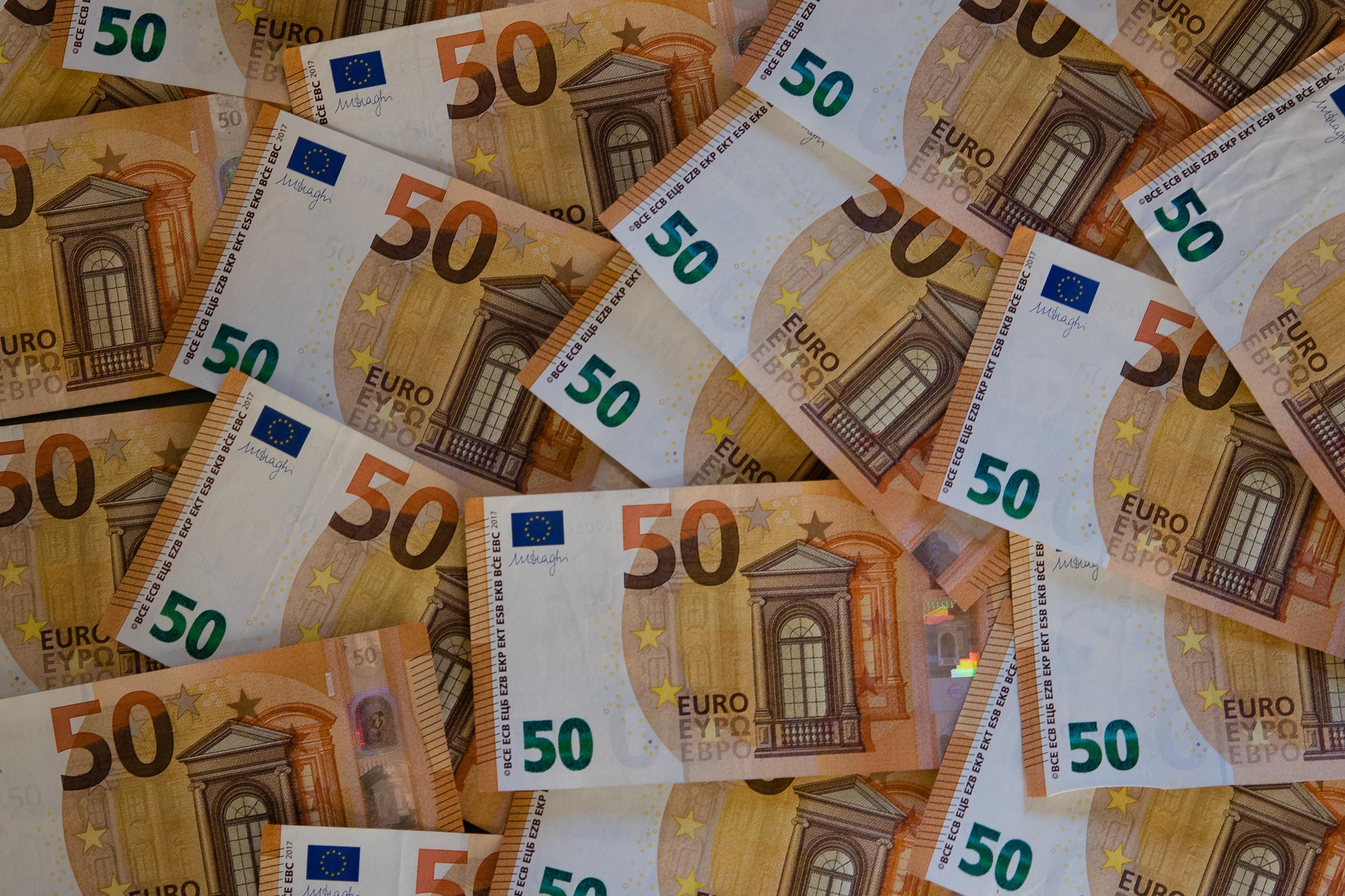Contas externas do Brasil registam défice de 10,8 mil milhões de euros em janeiro