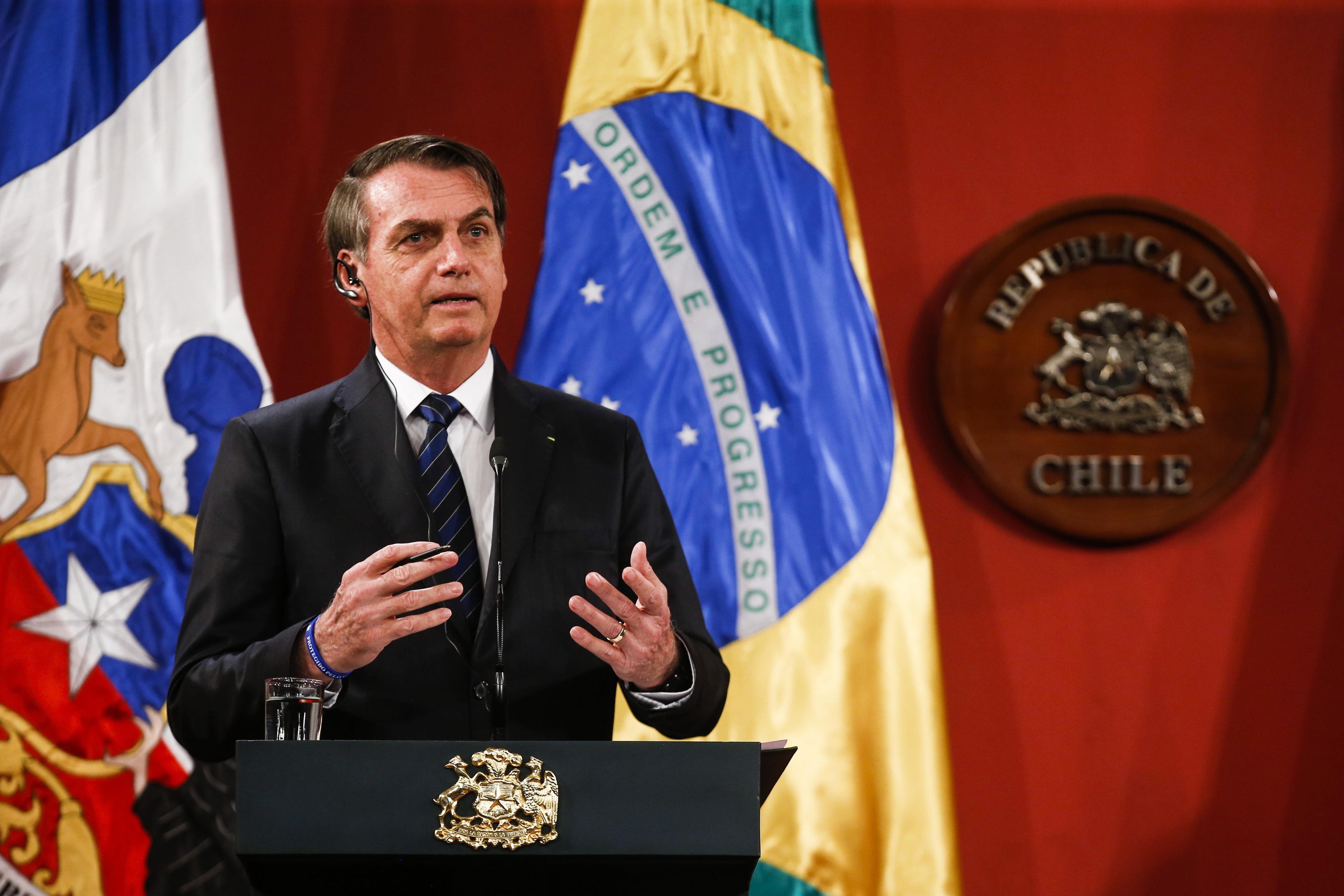 Bolsonaro considera possibilidade de não assinar qualquer acordo climático na próxima COP25