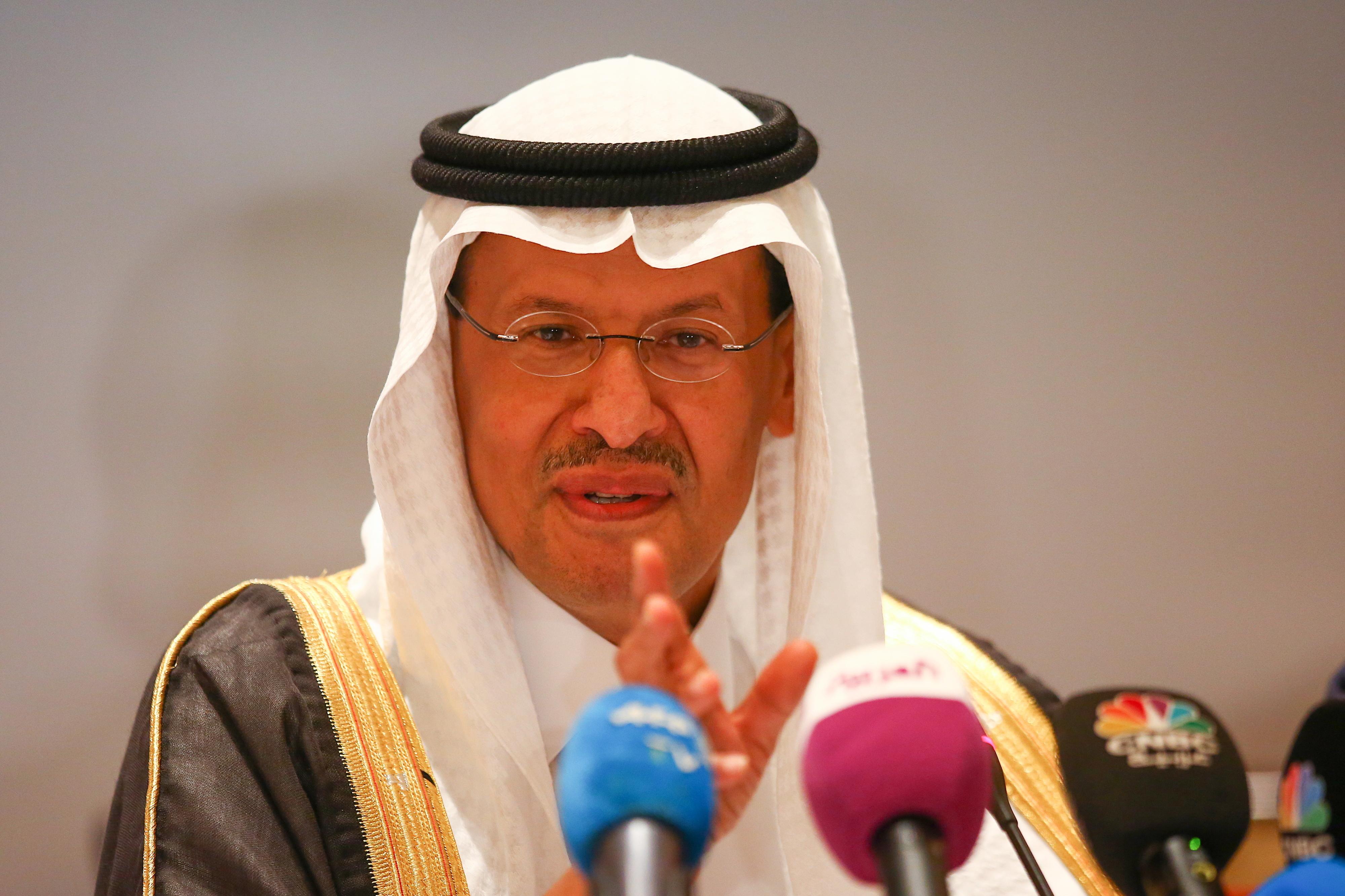 Ministro diz que produção total de petróleo da Arábia Saudita é retomada até final do mês